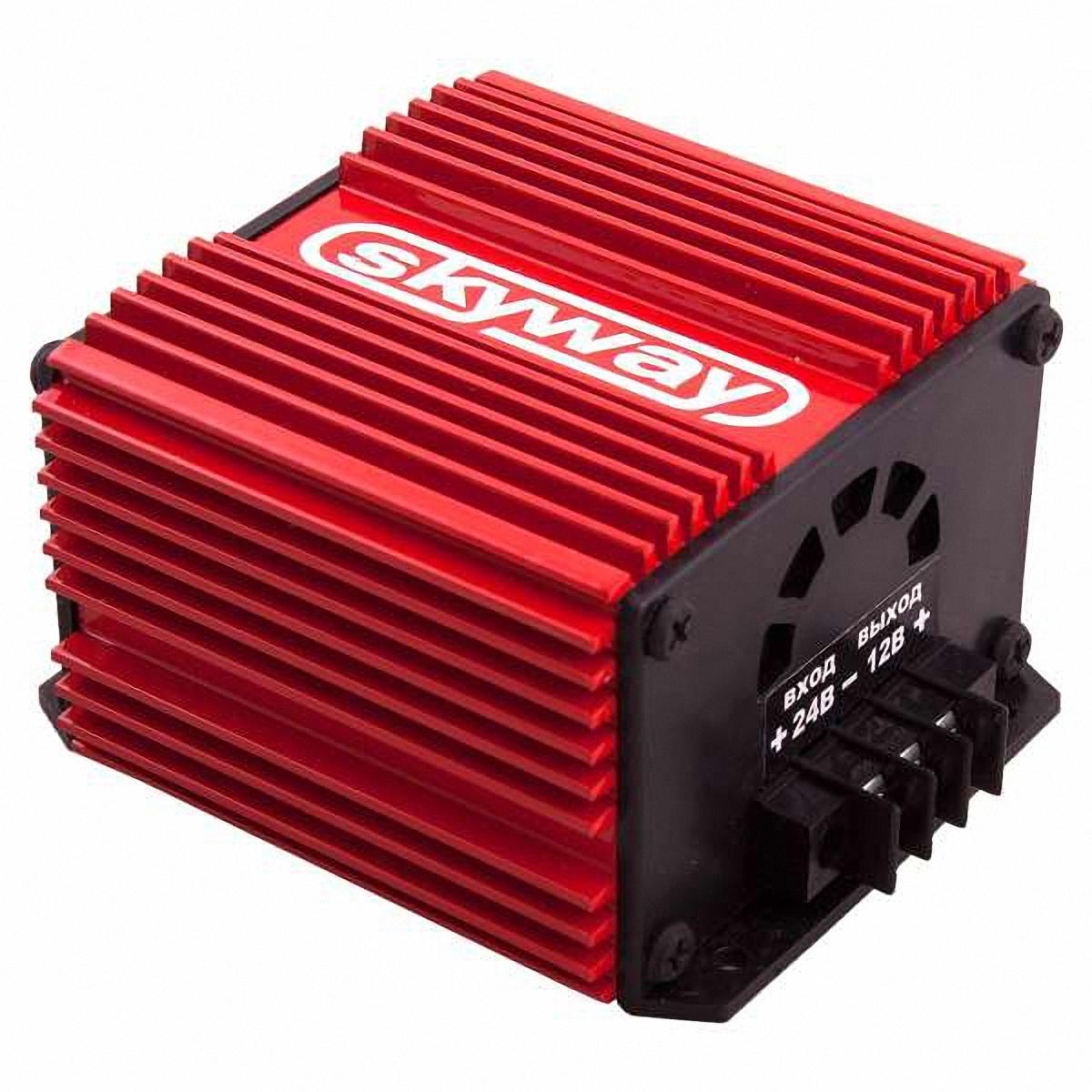 Преобразователь напряжения Skyway, 24/12V 10АS05501001Преобразователь напряжения 24/12V импульсный стабилизатор напряжения. Адаптер предназначен для преобразования нестабилизированного постоянного напряжения (22…30В) в постоянное стабилизированное напряжение 12В. Имеет встроенную защиту от короткого замыкания в нагрузке и перегрева. Адаптер может быть использован при работе с любыми видами нагрузок. Входное напряжение: 22…30ВВыходное напряжение: 13,6±0,5ВМакс. выходной ток: 10 АМакс. выходная мощность: 120 ВаттКоэффициент полезного действия:93%Напряжение пульсаций на выходе: 0,2 ВРабочая температура: -40…+70 °С
