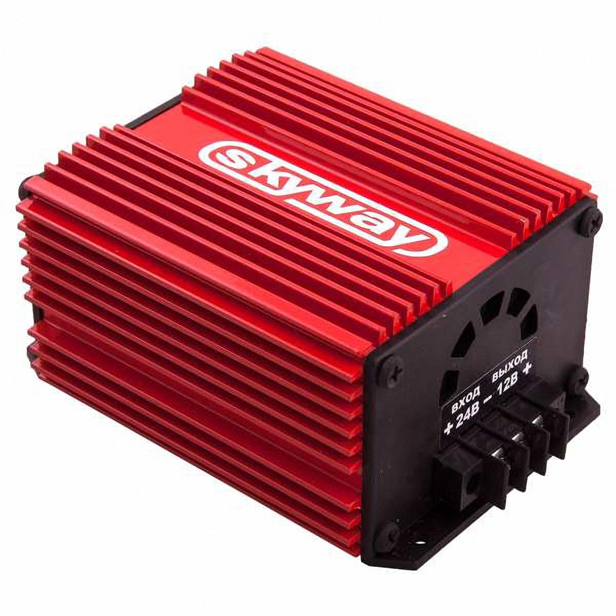 Преобразователь напряжения Skyway, 24/12V 15АS05501002Преобразователь напряжения 24/12V импульсный стабилизатор напряжения. Адаптер предназначен для преобразования нестабилизированного постоянного напряжения (22…30В) в постоянное стабилизированное напряжение 12В. Имеет встроенную защиту от короткого замыкания в нагрузке и перегрева. Адаптер может быть использован при работе с любыми видами нагрузок. Входное напряжение: 22…30ВВыходное напряжение: 13,6±0,5ВМакс. выходной ток: 15 АМакс. выходная мощность: 180 ВаттКоэффициент полезного действия:93%Напряжение пульсаций на выходе: 0,2 ВРабочая температура: -40…+70 °С