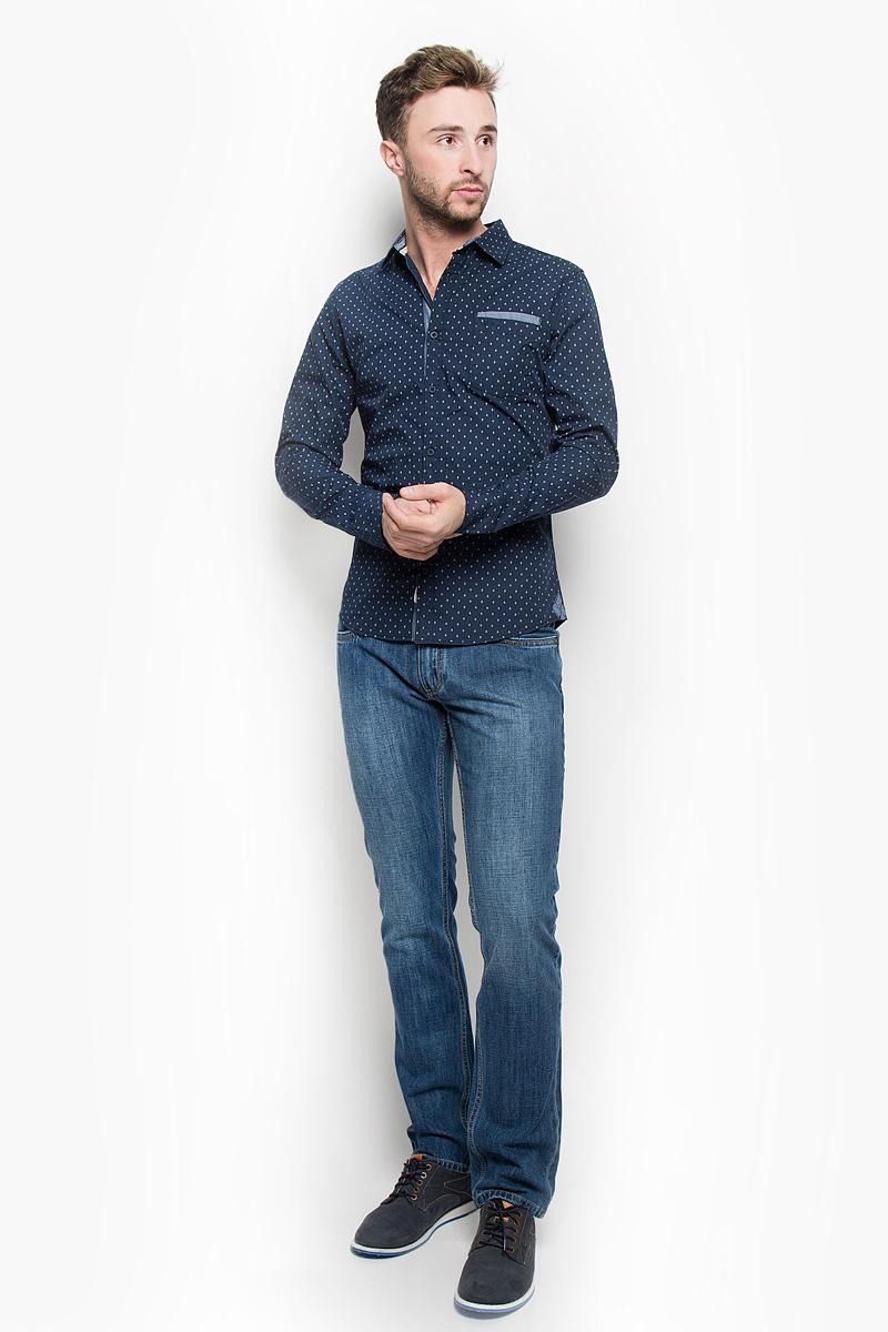 Рубашка мужская Lee Cooper, цвет: темно-синий. DEAN-5102. Размер S (46)DEAN-5102/NAVYМужская рубашка Lee Cooper, выполненная из натурального хлопка, идеально дополнит ваш образ. Материал мягкий и приятный на ощупь, не сковывает движения и позволяет коже дышать.Рубашка классического кроя с длинными рукавами и отложным воротником застегивается на пуговицы по всей длине. Низ рукавов дополнен манжетами на пуговицах. На груди модель дополнена двумя накладными карманами. Изделие оформлено оригинальным принтом.Такая рубашка будет дарить вам комфорт в течение всего дня и станет стильным дополнением к вашему гардеробу.