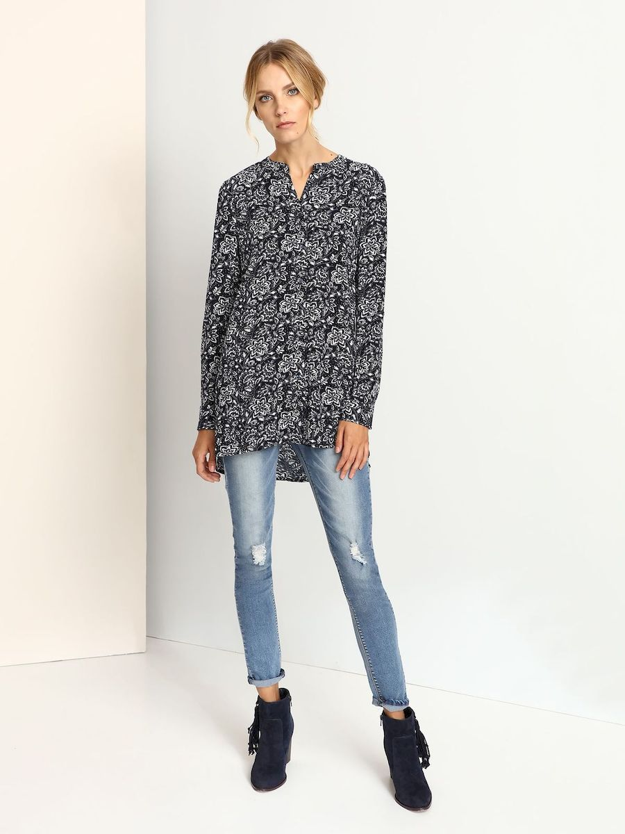 Блузка женская Top Secret, цвет: темно-синий. SKL2065GR. Размер 34 (40)SKL2065GRЖенская блузка выполнена из вискозы и оформлена оригинальным узорным принтом. Модель со стандартным длинным рукавом и воротником-стойкой.