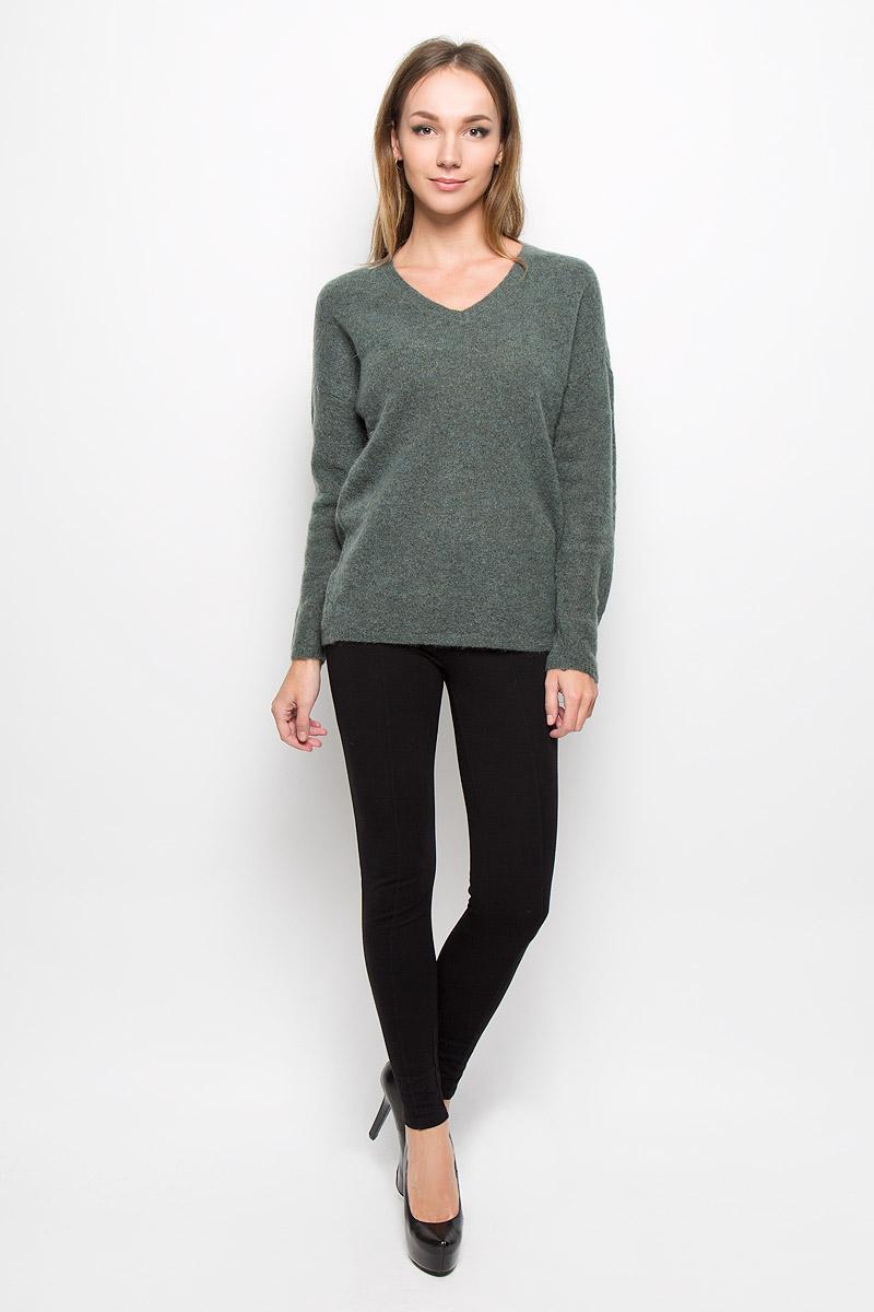 Пуловер женский Selected Femme, цвет: серо-зеленый. 16051606. Размер XS (40)16051606_ThymeСтильный женский пуловер Selected Femme, выполненный из сочетания высококачественных материалов, необычайно мягкий и приятный на ощупь, не сковывает движения, обеспечивая наибольший комфорт.Модель с V-образным вырезом горловины и длинными рукавами великолепно сидит. Пушистый пуловер мелкой вязки поможет вам создать стильный современный образ в стиле Casual.Этот удобный и стильный пуловер станет отличным дополнением к вашему гардеробу. В нем вы всегда будете чувствовать себя уютно в прохладное время года.