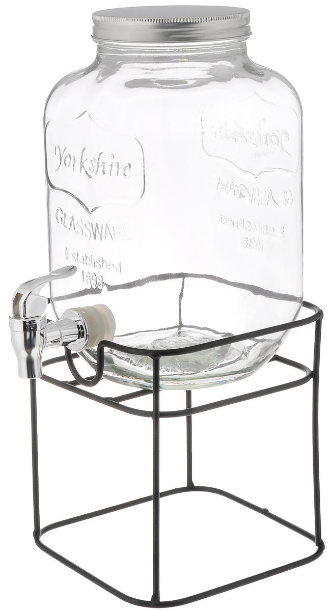 Емкость для напитков Феникс-Презент, с краником, с подставкой, 4 л42585Емкость для напитков Феникс-Презент изготовлена из прочного стекла. Внешние стенки оформлены рельефом в виде надписи: Glassware. Established 1898. Изделие снабжено металлической крышкой и пластиковым краником для удобного наливания напитков. Емкость достаточно вместительна, идеальна для воды, сока, кваса и многого другого. Пригодится дома, на даче или на пикнике. В комплект входит металлическая подставка. Диаметр (по верхнему краю): 10,5 см.Высота емкости: 26 см. Размер подставки: 17 х 17 х 18,5 см.