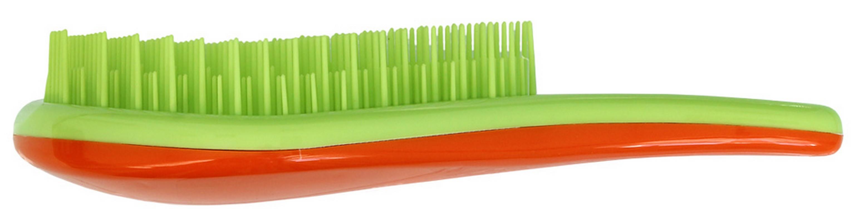 Щетка для распутывания волос Detangler салатовый/оранжевыйCDB 605Щетка специально создана для того, чтобы справляться с сильно запутавшимися волосами.Уникальная инновационная конструкция гибких зубчиков позволяет безвредно для волосустранить узелки и распутать пряди. Расчёсывает волосы быстро, легко и не требуетиспользования дополнительных средств. Подходит для любого типа волос, включая тонкие,ломкие, кудрявые и жёсткие волосы. Наличие ручки делает удобным расчесывание, а слегкаизогнутая форма щетки в виде капли отлично лежит в руке и не выскальзывает, чтоособенно важно при расчесывании влажных волос. Уникальные зубчики щетки ClaretteDetangler имеют повышенную гибкость и мягко преодолевают любое препятствие в волосах.Зубчики у расчески очень короткие и легко гнутся. При расчесывании они пропускаютсквозь себя пряди любой длины и фактуры, не цепляя их и не «скатывая» в колтуны.Высококачественный упругий пластик, из которого сделаны зубчики расчески, не царапаеткожу головы, а мягко воздействует на нее, обеспечивая массажный эффект.