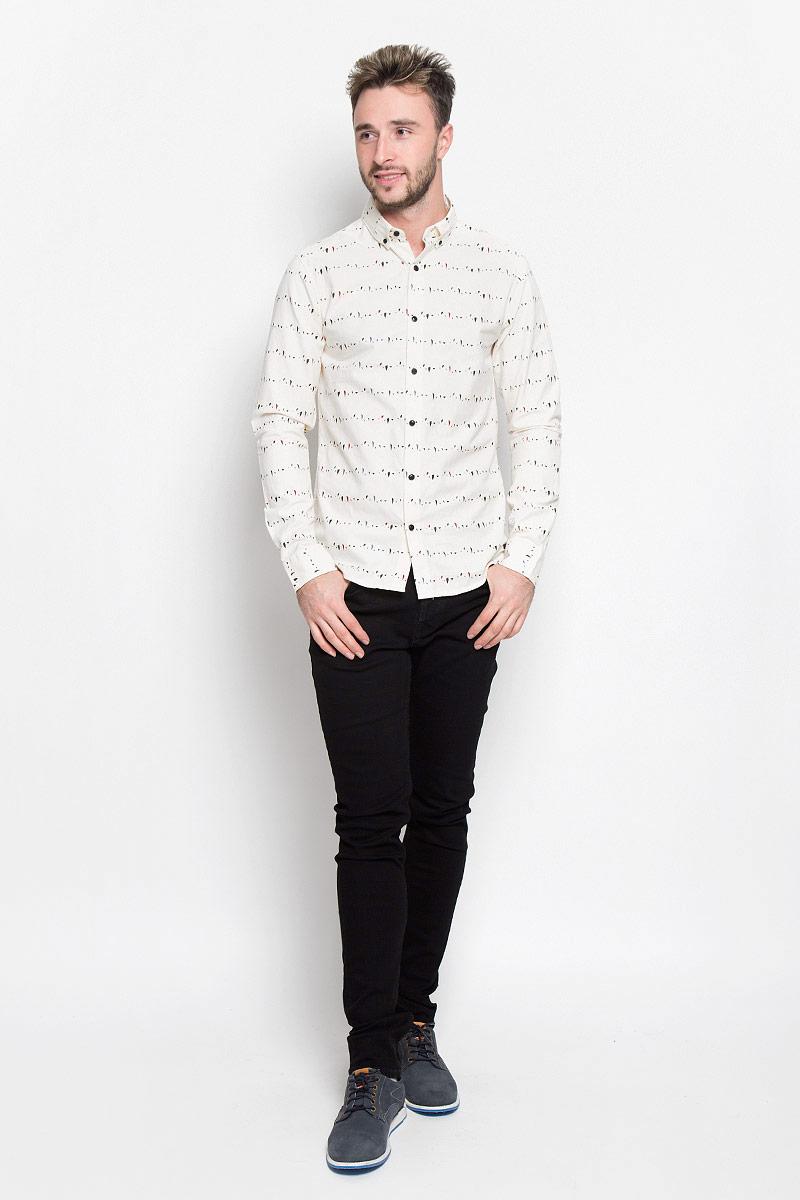 Рубашка мужская Only & Sons, цвет: молочный. 22004270. Размер XXL (52)22004270_Cloud DancerСтильная мужская рубашка Only & Sons, выполненная из натурального хлопка, подчеркнет ваш уникальный стиль и поможет создать оригинальный образ. Такой материал великолепно пропускает воздух, а также обладает высокой гигроскопичностью. Рубашка slim fit с длинными рукавами и отложным воротником застегивается на пуговицы спереди. Манжеты рукавов также застегиваются на пуговицы. Рубашка оформлена принтом в виде мелких пятнышек. Классическая рубашка - превосходный вариант для базового мужского гардероба и отличное решение на каждый день.Такая рубашка будет дарить вам комфорт в течение всего дня и послужит замечательным дополнением к вашему гардеробу.
