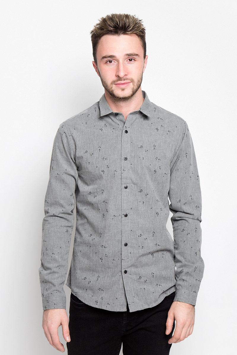 Рубашка мужская Only & Sons, цвет: серый. 22004263. Размер S (44)22004263_Dark Grey MelangeСтильная мужская рубашка Only & Sons, выполненная из хлопка с добавлением полиэстера, подчеркнет ваш уникальный стиль и поможет создать оригинальный образ. Такой материал великолепно пропускает воздух, обеспечивая необходимую вентиляцию, а также обладает высокой гигроскопичностью. Рубашка slim fit с длинными рукавами и отложным воротником застегивается на пуговицы спереди. Манжеты рукавов также застегиваются на пуговицы. Рубашка оформлена принтом в виде стрелок. Классическая рубашка - превосходный вариант для базового мужского гардероба и отличное решение на каждый день.Такая рубашка будет дарить вам комфорт в течение всего дня и послужит замечательным дополнением к вашему гардеробу.