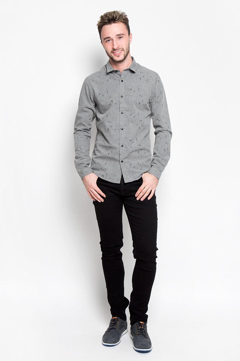 Рубашка мужская Only & Sons, цвет: серый. 22004263. Размер XXL (52)22004263_Dark Grey MelangeСтильная мужская рубашка Only & Sons, выполненная из хлопка с добавлением полиэстера, подчеркнет ваш уникальный стиль и поможет создать оригинальный образ. Такой материал великолепно пропускает воздух, обеспечивая необходимую вентиляцию, а также обладает высокой гигроскопичностью. Рубашка slim fit с длинными рукавами и отложным воротником застегивается на пуговицы спереди. Манжеты рукавов также застегиваются на пуговицы. Рубашка оформлена принтом в виде стрелок. Классическая рубашка - превосходный вариант для базового мужского гардероба и отличное решение на каждый день.Такая рубашка будет дарить вам комфорт в течение всего дня и послужит замечательным дополнением к вашему гардеробу.