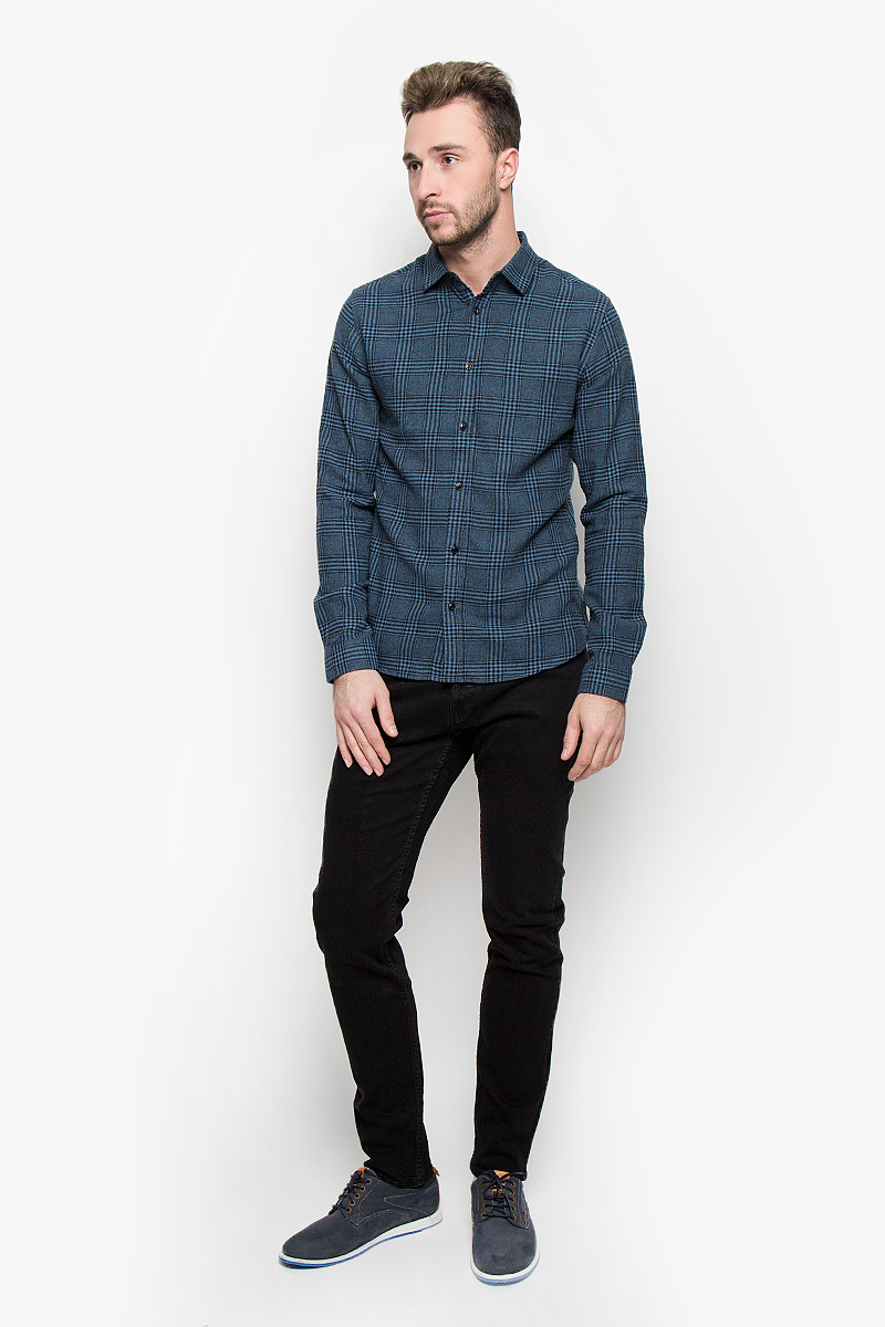 Джинсы мужские Only & Sons, цвет: черный. 22004391. Размер 30-34 (44-34)22004391_BlackМодные мужские джинсы Only & Sons - это джинсы высочайшего качества, которые прекрасно сидят. Они выполнены из высококачественного эластичного хлопка, что обеспечивает комфорт и удобство при носке. Джинсы прямого кроя и стандартной посадки станут отличным дополнением к вашему современному образу. Джинсы застегиваются на пуговицу в поясе и ширинку на пуговицах, дополнены шлевками для ремня. Джинсы имеют классический пятикарманный крой: спереди модель дополнена двумя втачными карманами и одним маленьким накладным кармашком, а сзади - двумя накладными карманами.Эти модные и в то же время комфортные джинсы послужат отличным дополнением к вашему гардеробу.