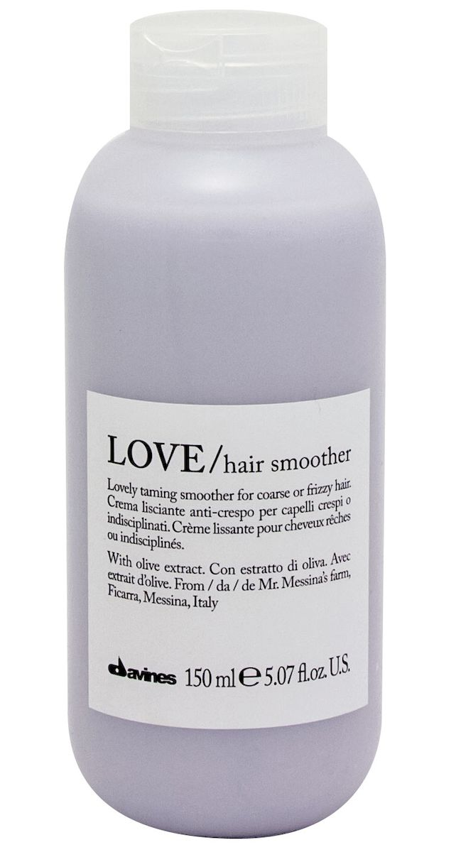 Davines Крем для разглаживания завитка Essential Haircare New Love Lovely Hair Smoother, 150 мл75044Особая серия мягкого очищения кудрявых волос. Активный экстракт миндаля очищает и питает кудри. Богатая важными антиоксидантами формула восстанавливает локоны. Протеины, ненасыщенные жиры, витамины В и Е, магний, калий, железо, медь и фосфор в высокой концентрации обеспечивают благоприятное воздействие на кудри, полностью очищают волосы, дарят им свежесть, гибкость, объем и чистоту.