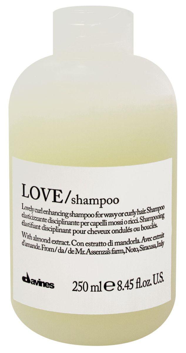 Davines Шампунь для усиления завитка Essential Haircare New Love Lovely Curl Enhancing Shampoo, 250 мл75030/75090Особая серия мягкого очищения кудрявых волос. Активный экстракт миндаля очищает и питает кудри. Богатая важными антиоксидантами формула восстанавливает локоны. Протеины, ненасыщенные жиры, витамины В и Е, магний, калий, железо, медь и фосфор в высокой концентрации обеспечивают благоприятное воздействие на кудри, полностью очищают волосы, дарят им свежесть, гибкость, объем и чистоту.