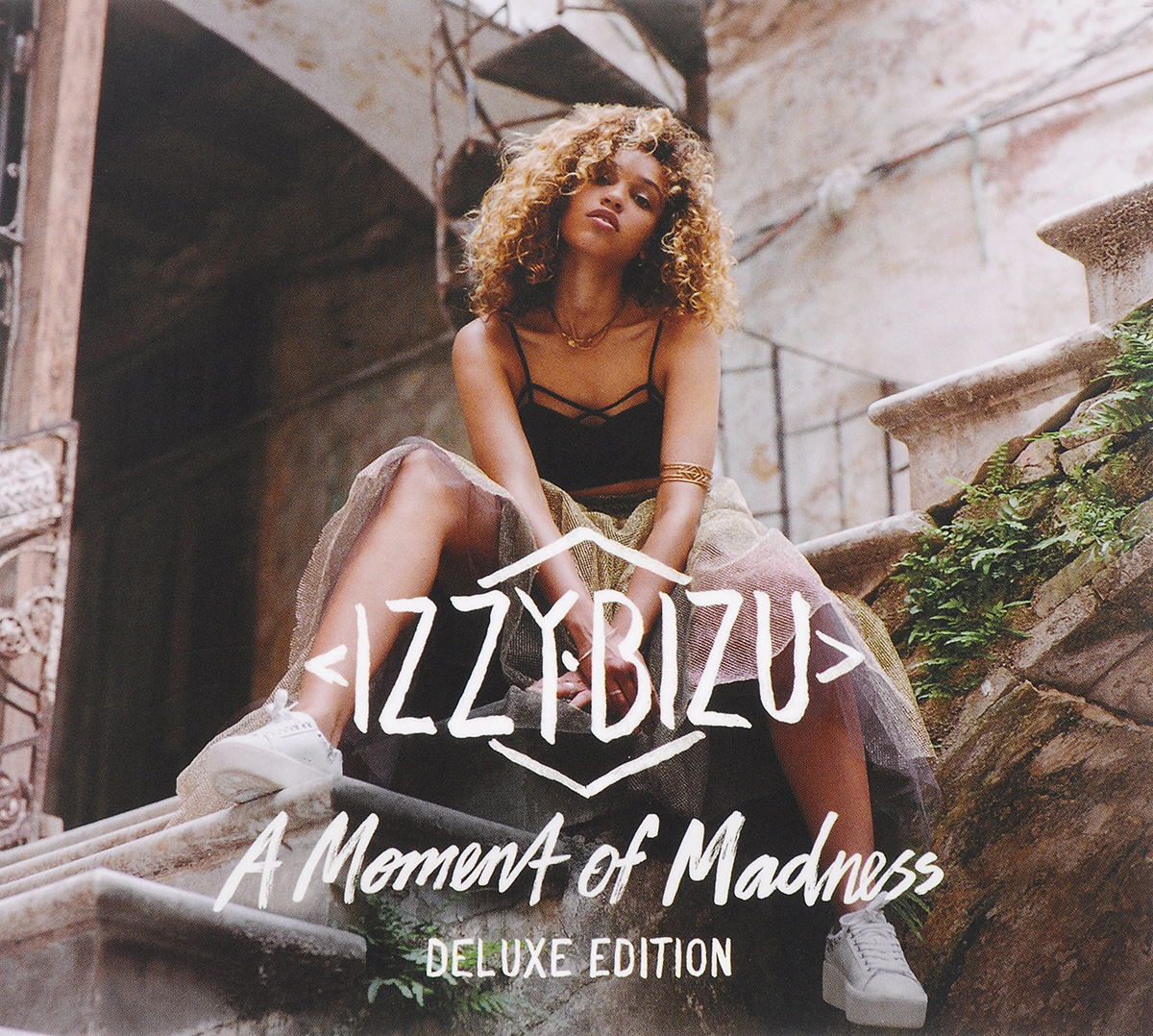 Izzy Bizu Izzy Bizu. A Moment Of Madness. Deluxe Edition roxy music roxy music the studio albums limited edition 8 lp