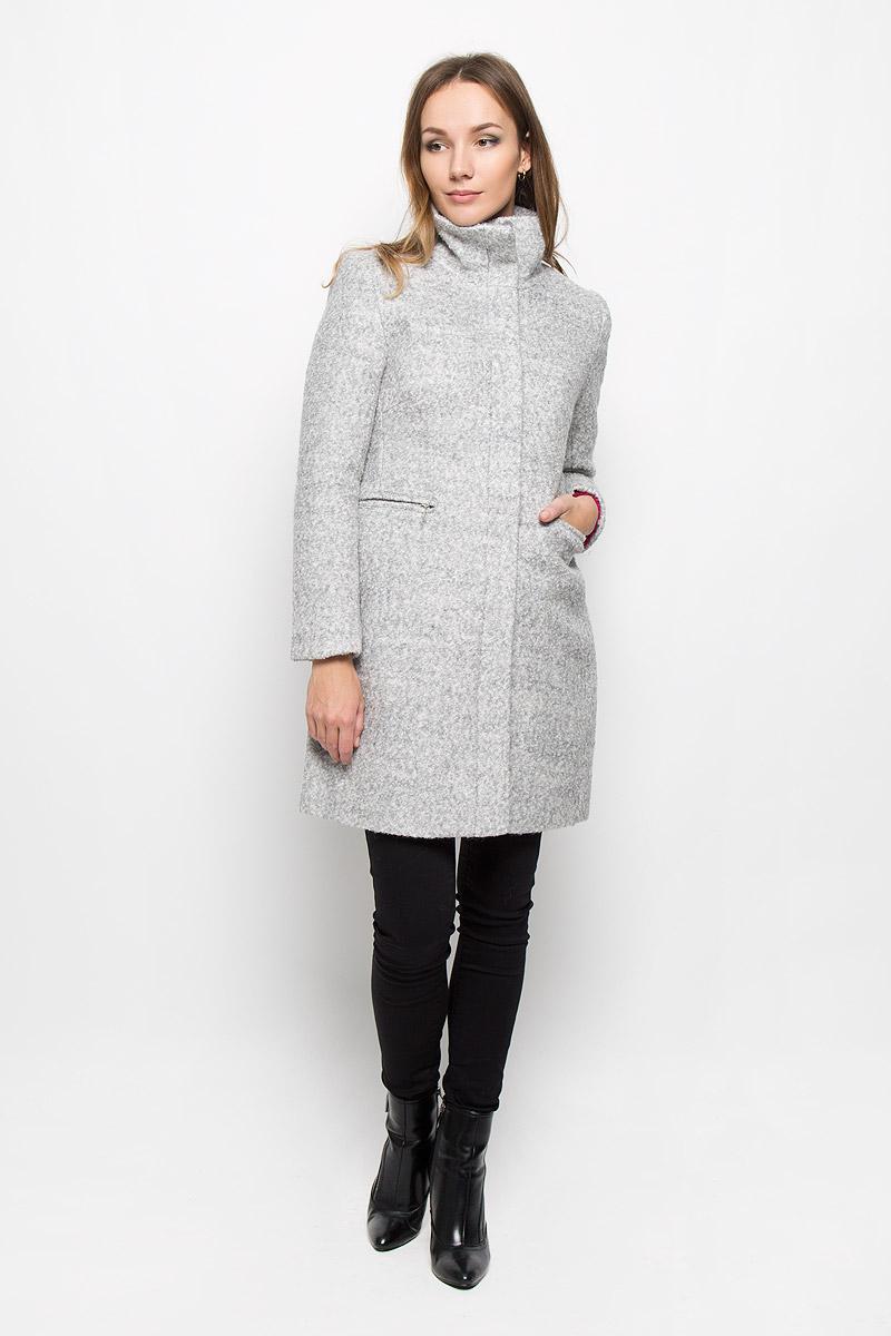Пальто женское Broadway Neysha, цвет: светло-серый. 10139. Размер M (46)10139_807Стильное женское пальто Broadway Neysha дополнит ваш образ и подчеркнет индивидуальность. Оно изготовлено из высококачественного материала, обеспечивающего комфорт и удобство при носке. Благодаря содержанию в составе шерсти, изделие максимально сохраняет тепло. Подкладка выполнена из гладкой ткани.Пальто с воротником-стойкой и длинными рукавами застегивается на молнию и имеет две ветрозащитные планки. Внешняя планка пристегивается с помощью пуговиц. Модель оснащена двумя прорезными карманами на молниях. Спинка дополнена центральной одиночной шлицей.Этот модное пальто станет отличным дополнением к вашему гардеробу!