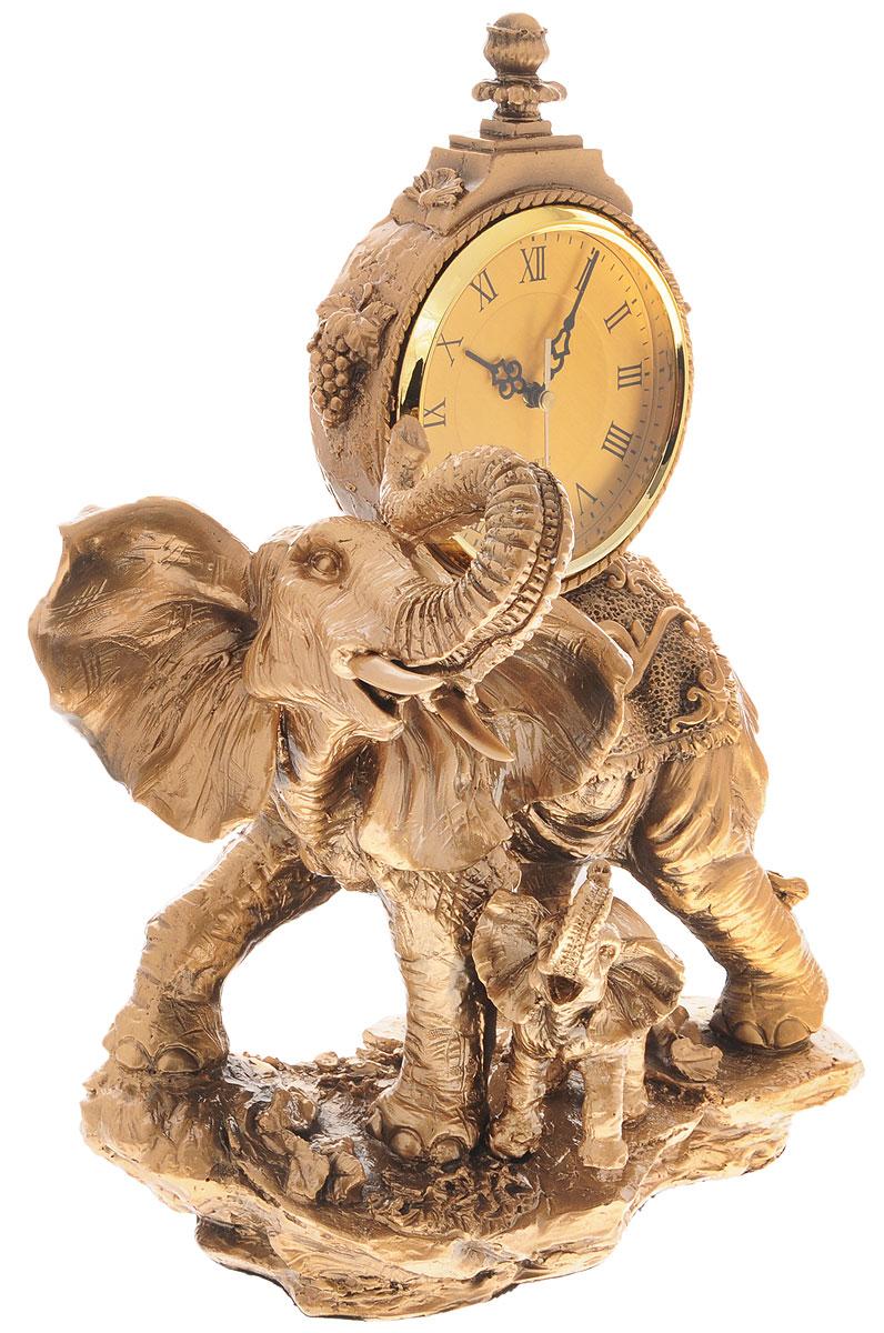 Часы настольные Русские Подарки Слоны, 32 х 19 х 47 см59375Настольные кварцевые часы Русские Подарки Слоны изготовлены из прочного полистоуна. Изделие выполнено в виде двух слонов. Циферблаткруглой формы расположен на спине большого слона и оформлен римскими цифрами.Настольные часы Русские Подарки Слоны прекрасно оформят интерьер дома или рабочий стол вофисе. Часы работают от одной батарейки типа АА мощностью 1,5V (не входит в комплект). Размер изделия: 32 х 19 х 47 см.Диаметр циферблата: 13,5 см.