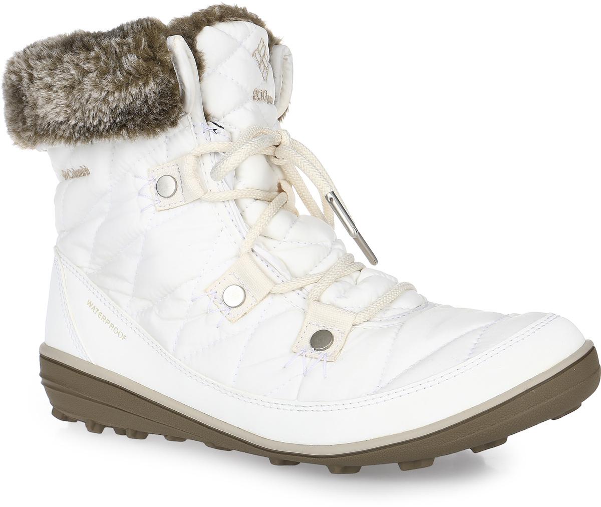 Ботинки женские Columbia Heavenly Shorty Omni-Heat, цвет: белый. 1691541-125. Размер 9 (40,5)1691541-125Женские ботинки Heavenly Shorty Omni-Heat от Columbia выполнены из высококачественного комбинированного материала с технологией Omni-Tech, которая защищает обувь от осадков. Подкладка с технологией Omni-Heat сохранит ваши ноги в тепле. Утеплитель Insulated плотностью 200 гр. не позволит ногам замерзнуть. Подкладка в верхней части голенища выполнена из искусственного меха. Шнуровка надежно фиксирует модель на ноге. Подошва выполнена из гибкого, легкого материала обладающего отличной амортизацией. Подметка с технологией Omni-Grip со специальным рисунком протектора обеспечит надежное сцепление на любых зимних поверхностях. Верх ботинок декорирован вышитым логотипом бренда и отделкой из искусственного меха.