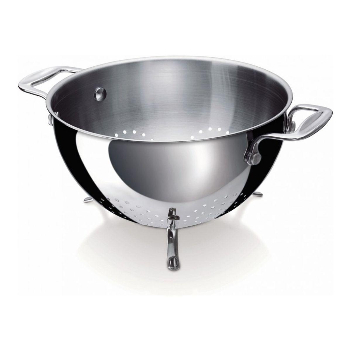 """Дуршлаг Beka """"Chef"""" выполнен из нержавеющей стали. Удобный дуршлаг оснащен устойчивыми ножками, ручки фиксированные. Используемые в производстве материалы обеспечивают приготовление блюд без потери их вкусовых и питательных качеств.  Толщина стенки: 0,7 мм."""