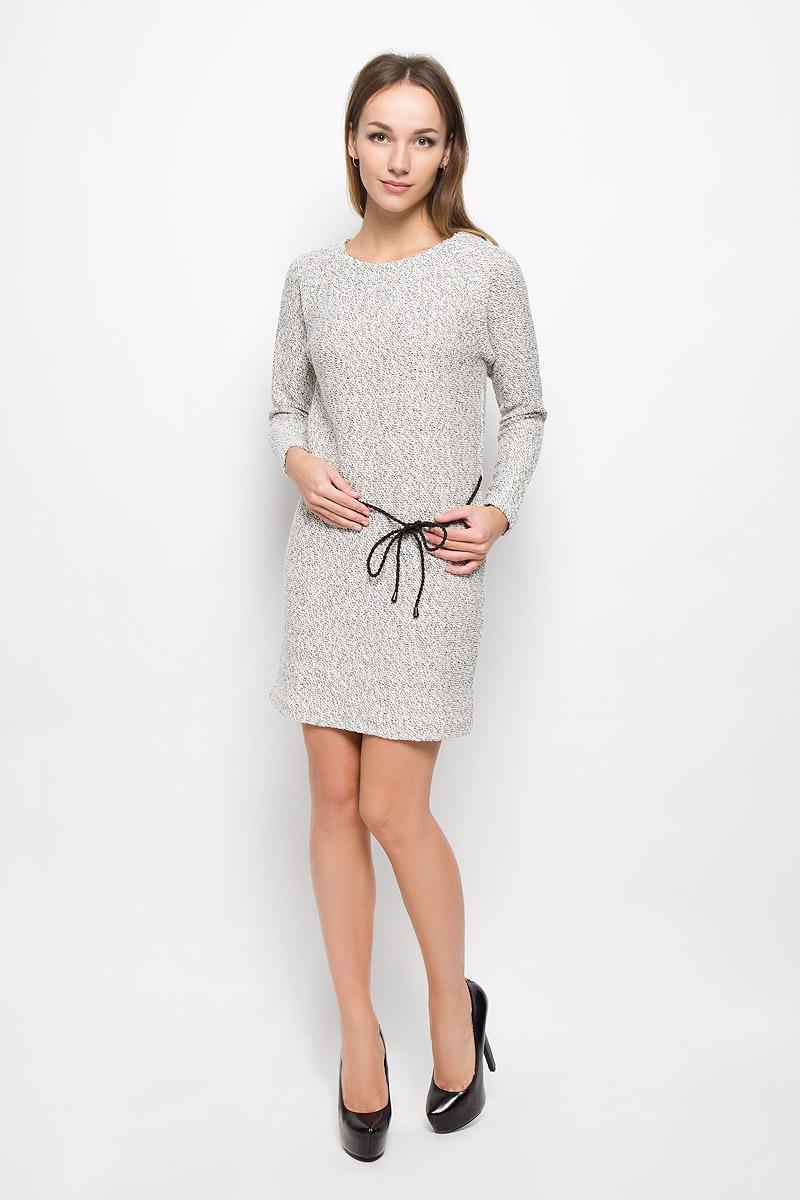 Платье Sela Collection, цвет: белый. DK-117/204-6485. Размер S (44)DK-117/204-6485Элегантное платье Sela Collection выполнено из хлопка с добавлением полиэстера. Такое платье обеспечит вам комфорт и удобство при носке и непременно вызовет восхищение у окружающих. Модель средней длины с длинными рукавами-реглан и круглым вырезом горловины выгодно подчеркнет все достоинства вашей фигуры. Вязаное платье дополнено съемным плетеным поясом на талии. Изысканное платье-миди создаст обворожительный и неповторимый образ.Это модное и комфортное платье станет превосходным дополнением к вашему гардеробу, оно подарит вам удобство и поможет подчеркнуть ваш вкус и неповторимый стиль.