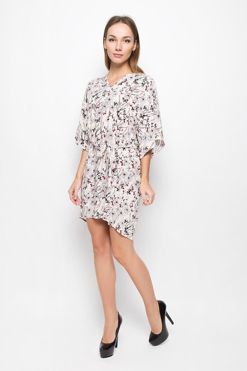 Платье Broadway Onnie, цвет: кремовый. 10156489. Размер XL (50)10156489_053Легкое платье Broadway Onnie, выполненное из высококачественного материала, идеально подойдет для модниц. Материал изделия мягкий и тактильно приятный, обладает высокими дышащими свойствами. Платье с фигурным вырезом горловины и рукавами-кимоно имеет удлиненную спинку. Линию талии подчеркивает поясок в тон к платью на тонких шлевках. Изделие оформлено принтом с изображением цветов и бабочек.Оригинальный дизайн и расцветка подчеркнут вашу индивидуальность!