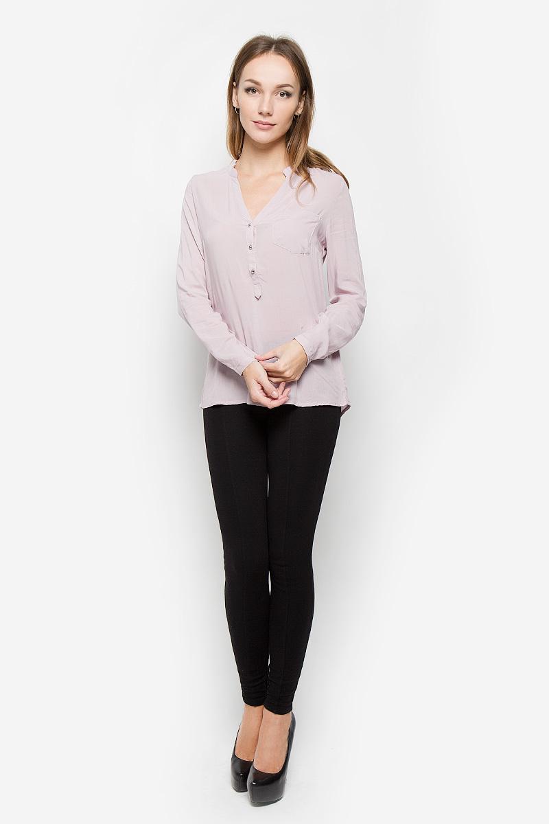 Блузка женская Broadway, цвет: пепельно-розовый. 10156630. Размер L (48)10156630_391Стильная женская блуза Broadway, выполненная из 100% вискозы, подчеркнет ваш уникальный стиль и поможет создать оригинальный женственный образ.Блузка с удлиненной спинкой, длинными рукавами и V-образным вырезом горловины имеет свободный крой и застегивается на пуговицы на груди. Манжеты рукавов также дополнены пуговицами. На груди расположен накладной карман. Эта блузка будет дарить вам комфорт в течение всего дня и послужит замечательным дополнением к вашему гардеробу.