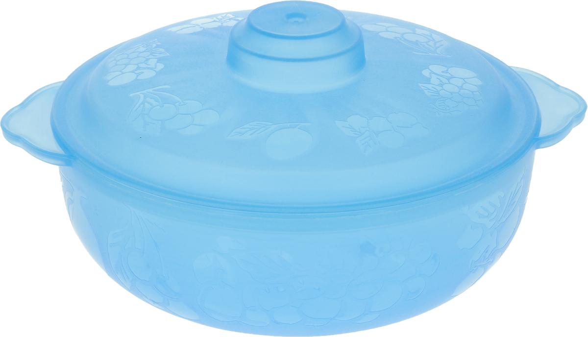 Чаша Альтернатива Хозяюшка, с крышкой, цвет: голубой, 1,5 лМ505_голубойВместительная чаша круглой формы Хозяюшка изготовлена из высококачественного пищевогопластика. Изделие, оснащенное крышкой, очень функциональное, оно пригодится на кухне длясамых разнообразных нужд: в качестве салатника, миски, тарелки. По периметру миска украшенаузором в виде фруктов. Диаметр миски: 18 см.Высота миски (без учета крышки): 7 см.