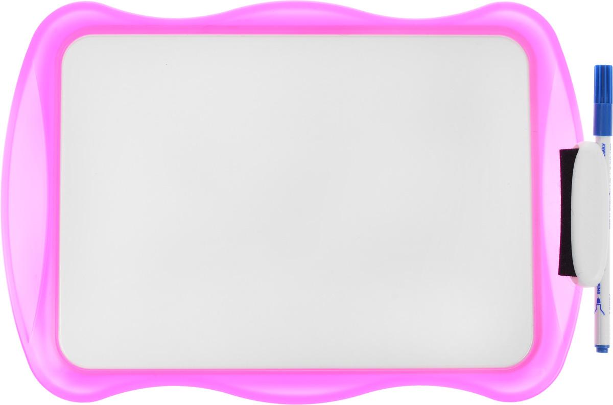 Bic Доска для рисования Velleda цвет розовыйB841362, 841362Двухсторонняя доска для рисования Bic Velleda сделает занятия с ребенком энергичными, яркими и запоминающимися, ведь писать и рисовать на ней намного интереснее, чем в классической тетрадке.Доска выполнена из плотного и качественного материала. Одна сторона доски белая, другая разлинована в голубую линейку. Доска предназначена для многократного нанесения информации - достаточно стереть записи губкой, входящей в комплект. В комплект входит маркер синего цвета. Маркер крепится к доске с помощью специального держателя.
