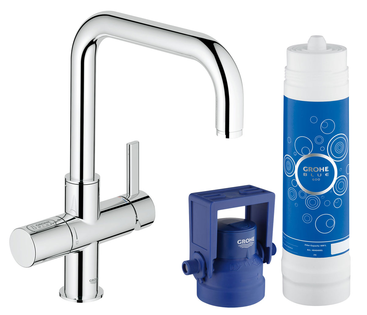 Комплект GROHE Blue 2-в-1: вентиль для фильтрованной воды и смеситель для кухни (фильтрация, U-излив) (31299001)31299001GROHE Blue Pure: кухонный смеситель, подающий свежую питьевую воду прямо из под крана, избавит от необходимости носить домой тяжелые бутыли с водой.Система фильтрации GROHE Blue Pure, которая активируется отдельным рычагом для подачи воды, очищает воду от нежелательных примесей, ухудшающих ее вкус и запах, включая хлор. Помимо впечатляющих функциональных возможностей данный смеситель для мойки также отличается эффектным внешним видом и способностью играть главную роль в интерьере кухни, причем износостойкое хромированное покрытие GROHE StarLight лишь подчеркивает его лаконичный дизайн. Высокий излив, вращающийся в радиусе 180°, позволяет с легкостью наполнять высокие емкости.Технология GROHE SilkMove обеспечивает плавность регулировки напора воды при минимуме усилий. Разумеется, в данном смесителе также предусмотрены все функции обычного кухонного смесителя. Избавьтесь от необходимости носить домой тяжелые бутыли с водой и наслаждайтесь чистым вкусом свежей питьевой воды.Особенности:Включает в себя:GROHE Blue Смеситель однорычажный для мойки с функцией очистки водопроводной водыМонтаж на одно отверстиеU-изливОтдельная рукоятка для фильтрованной водыКерамический вентиль 1/2GROHE SilkMove керамический картридж 35 ммРегулировка расхода водыGROHE StarLight хромированная поверхность Поворотный трубкообразный изливПоворот излива на 180°Отдельные водотоки для питьевой и водопроводной воды Гибкая подводкаТип защиты IP 21Одобрено в СE Для LED индикатора расхода фильтра используется сетевое напряжение 100-240 В AC 50/60 Гц, которое преобразуется в безопасное сверхнизкое напряжение 6 В DC GROHE Blue фильтр на 600 лGROHE Blue регулируемая головка фильтра Класс шума I по DIN 4109