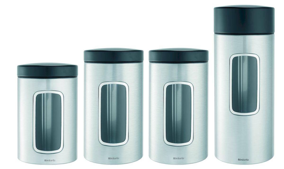 Набор контейнеров для сыпучих продуктов Brabantia, цвет: стальной матовый FPP, 4 шт. 386725386725Ищете удобный и эстетичный вариант для хранения кофе, чая, сахара и других продуктов? Предлагаем идеальное решение – набор контейнеров цилиндрической формы емкостью 1,4, 1,7 и 2,2 литра для сыпучих продуктов. Специальная защелкивающаяся крышка не пропускает запах, сохраняя аромат и свежесть продуктов. Контейнеры предлагаются также с прозрачным окошком из антистатических материалов, позволяющим видеть оставшееся количество содержимого. Практичное решение для хранения кофе, чая, макаронных изделий и других продуктов, позволяющее дольше сохранять их свежесть. Контейнер имеет гладкую внутреннюю поверхность и легко чистится. Прозрачное окошко из антистатических материалов, благодаря которому Вы всегда знаете, что и в каком количестве содержится в каждом контейнере. Контейнер вмещает 500 г кофе, 1кг сахара. Изготовлен из коррозионностойкой крашеной или лакированной стали с защитным цинкалюминиевым покрытием. Специальная защелкивающаяся не пропускающая запах крышка. Основание с защитным покрытием. 10-летняя гарантия Brabantia.