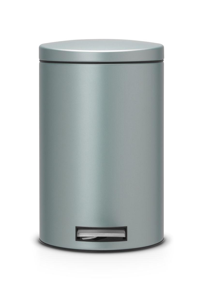 Бак мусорный Brabantia, с педалью, цвет: мятный металлик, 12 л. 484209484209Педальный бак Brabantia на 12 л поистине универсален и идеально подходит для использования на кухне или в гостиной. Достаточно большой для того, чтобы вместить весь мусор, при этом достаточно компактный для того, чтобы аккуратно разместиться под рабочим столом. Мягкий ход педали и бесшумное открытие/закрытие крышки. Удобный в использовании – при открывании вручную крышка фиксируется в открытом положении, закрывается нажатием педали. Надежный педальный механизм, высококачественные коррозионно-стойкие материалы. Удобная очистка – прочное съемное внутреннее пластиковое ведро. Предохранение пола от повреждений – пластиковое защитное основание. Всегда опрятный вид – идеально подходящие по размеру мешки для мусора со стягивающей лентой (размер C). 10-летняя гарантия Brabantia.