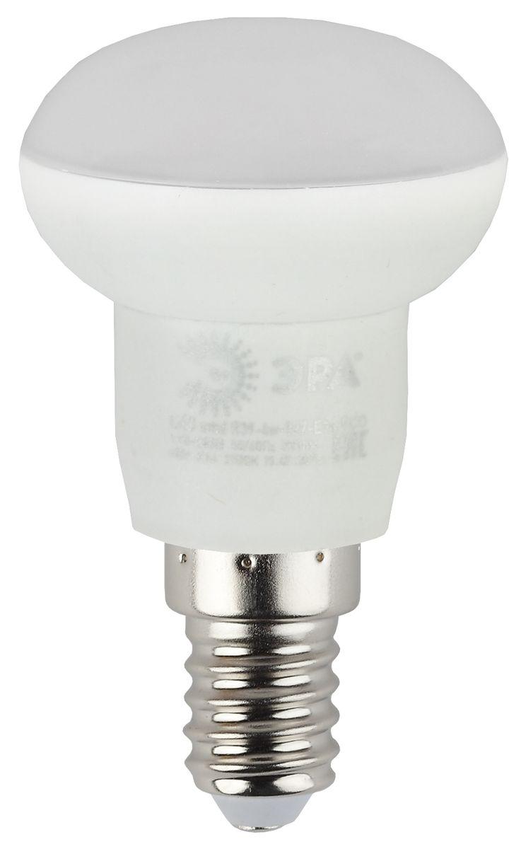 Лампа светодиодная ЭРА, цоколь E14, 170-265V, 4W, 2700К5055945536591Светодиодная лампа ЭРА является самым перспективным источником света. Основным преимуществом данного источника света является длительный срок службы и очень низкое энергопотребление, так, например, по сравнению с обычной лампой накаливания светодиодная лампа служит в среднем в 50 раз дольше и потребляет в 10-15 раз меньше электроэнергии. При этом светодиодная лампа практически не подвержена механическому воздействию из-за прочной конструкции и позволяет получить любой цвет светового потока, что, несомненно, расширяет возможности применения и позволяет создавать новые решения в области освещения.Особенности серии Eco:Предназначена для обычного потребителяЦена ниже, чем цена компактной люминесцентной лампыСветовая отдача источников света - 70-80 лм/ВтСрок службы составляет 25000 часовГарантия - 1 год. Работа в цепи с выключателем с подсветкой не рекомендована.