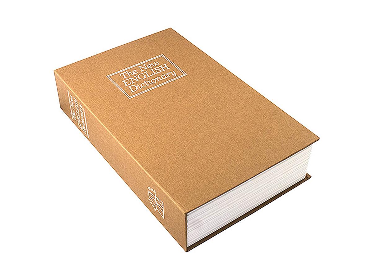 Книга-сейф Эврика Английский словарь, цвет: коричневый, 15,5 х 24 х 5,5 см97528Книга-сейф Эврика Английский словарь - точная имитация книги. Будучи поставленным на книжную полку, он ловко затеряется среди настоящей литературы, сохранив в тайне ваши секреты или сбережения. В оформлении применено тиснение серебристой фольгой. Внутри пластикового корпуса находится металлическое хранилище с надёжным замком, к которому прилагается комплект из двух ключей. Рекомендуем хранить запасной ключ отдельно, на случай утраты основного.