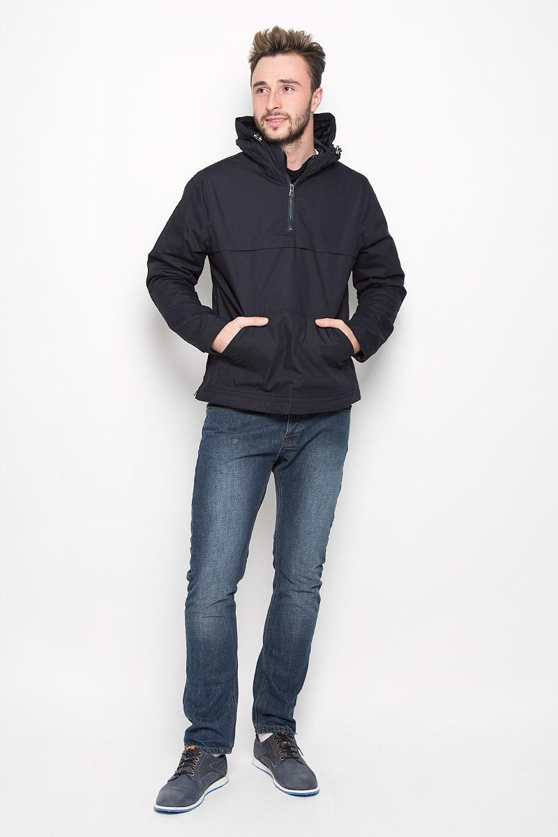 Куртка-анорак мужская Broadway Ontario, цвет: темно-синий. 20100317. Размер M (48)20100317_526Мужская куртка-анорак Broadway Ontario выполнена из полиэстера и хлопка. Подкладка изготовлена из гладкого материала. В качестве утеплителя используется полиэстер. Модель с капюшоном застегивается на небольшую молнию сбоку. Для комфорта и удобства куртка имеет на груди застежку-молнию. Капюшон дополнен по краю затягивающимся эластичным шнурком со стопперами. Спереди расположен большой карман-кенгуру.