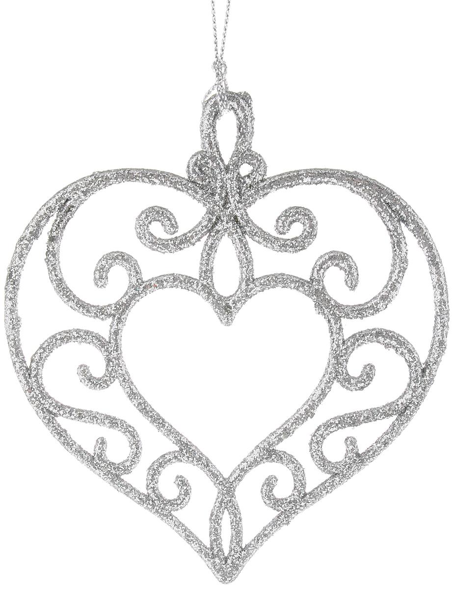 Украшение новогоднее подвесное Magic Time Серебряное сердце, высота 10,5 см42102/75118Новогоднее подвесное украшение Magic Time Серебряное сердце выполнено из полипропилена в виде сердечка и украшено блестками. С помощью специальной петельки украшение можно повесить в любом понравившемся вам месте. Но, конечно, удачнее всего оно будет смотреться на праздничной елке.Елочная игрушка - символ Нового года. Она несет в себе волшебство и красоту праздника. Создайте в своем доме атмосферу веселья и радости, украшая новогоднюю елку нарядными игрушками, которые будут из года в год накапливать теплоту воспоминаний.