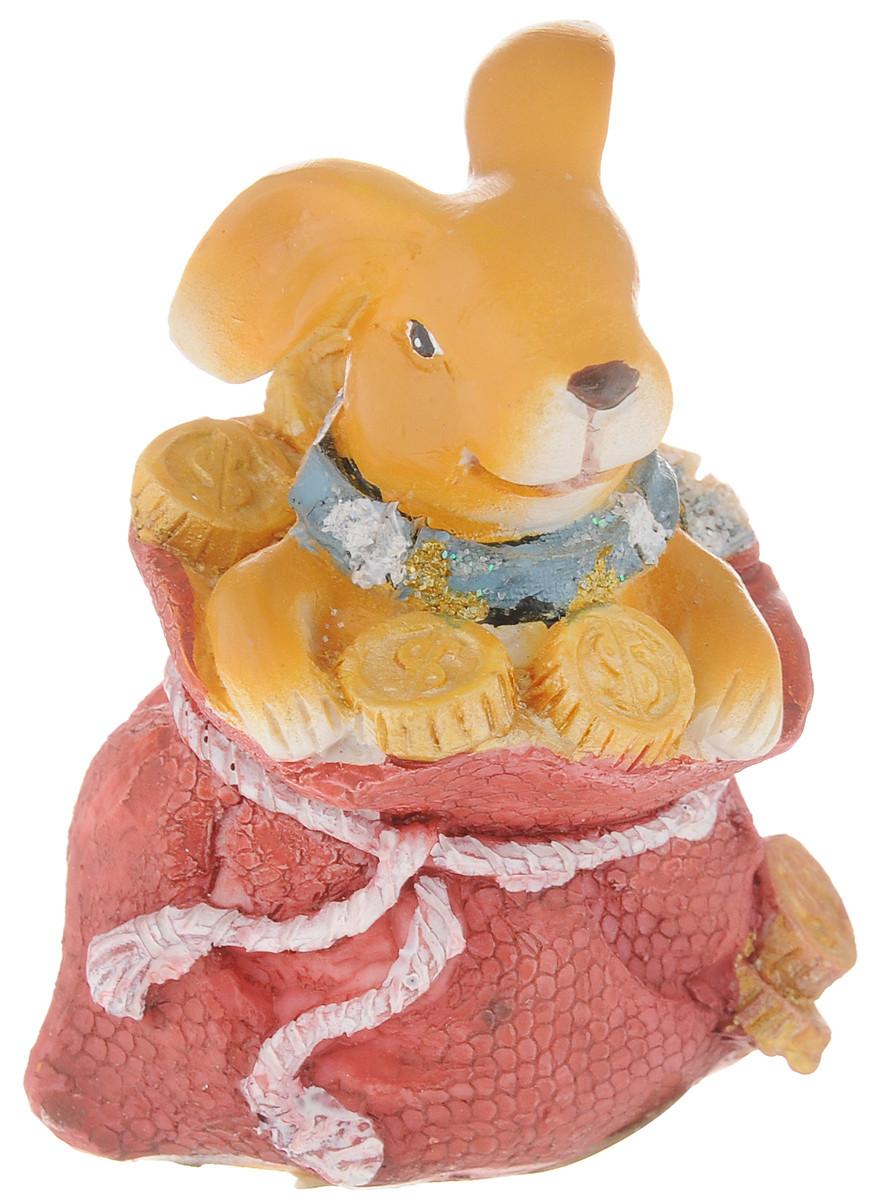 Фигурка декоративная Феникс-Презент Кролик, высота 7,5 см20632Фигурка декоративная Феникс-Презент Кролик, выполненная из пластика, станет оригинальным подарком для всех любителей необычных вещей. Она выполнена в классическом стиле в виде кролика, сидящего в мешке с монетами. Изысканный сувенир станет прекрасным дополнением к интерьеру. Вы можете поставить фигурку в любом месте, где она будет удачно смотреться и радовать глаз.