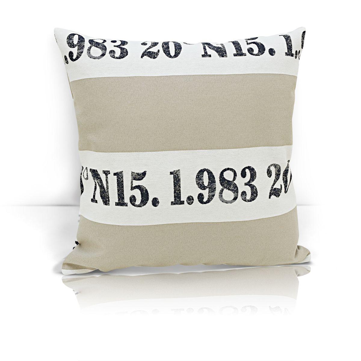 Подушка декоративная KauffOrt Лофт, 40 x 40 см3122317620Декоративная подушка Лофт прекрасно дополнит интерьер спальни или гостиной. Чехол подушки выполнен из жаккардовой ткани. Внутри находится мягкий наполнитель. Чехол легко снимается благодаря потайной молнии.