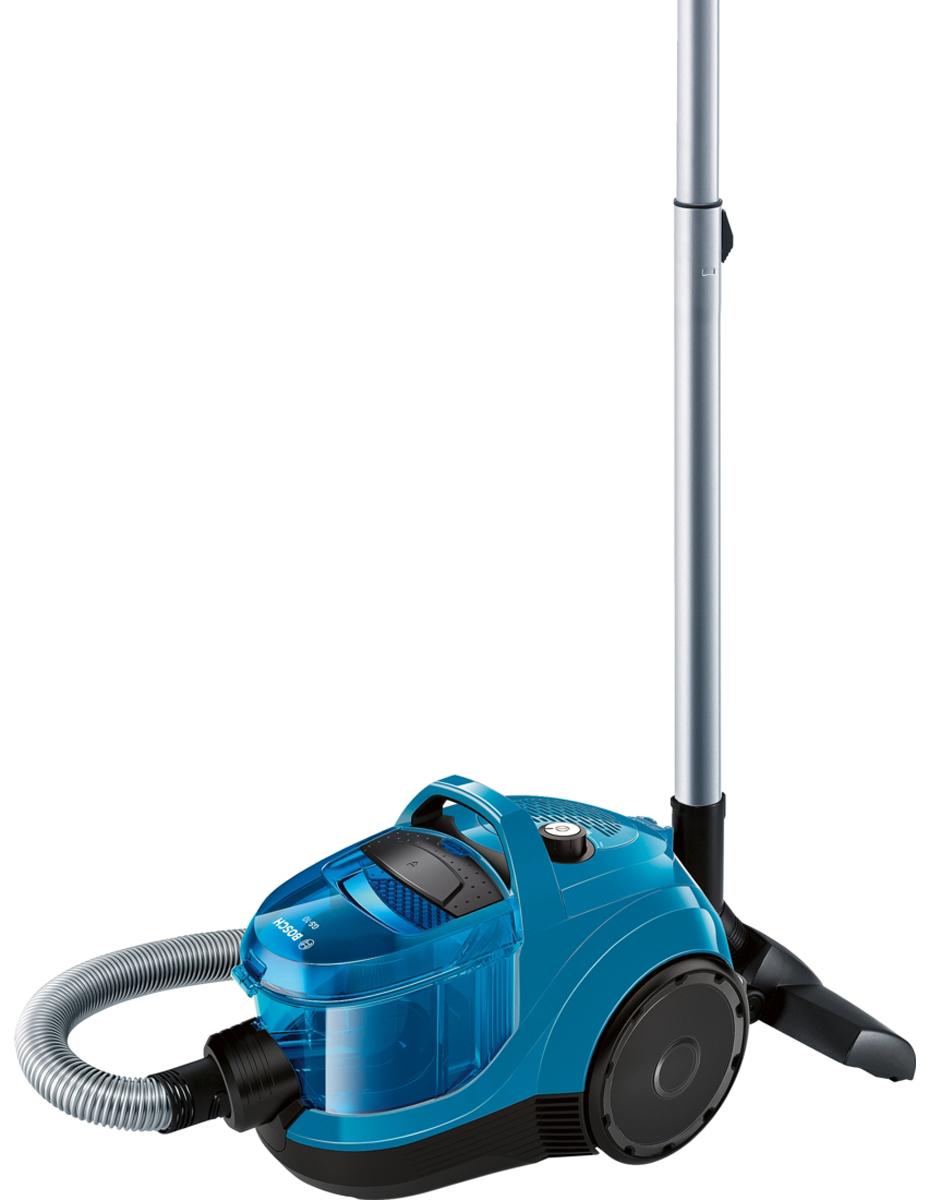 Bosch BGC1U1550, Blue Black пылесосBGC1U1550EasyCleanСистема лёгкой очистки EasyClean: контейнер пылесоса Bosch BGC1U1550 простой формы, его легко вынимать нажатием одной кнопки и также легко чистить, так как он не имеет углов, в которых может застрять грязь.RotationCleanЧистка фильтра без контакта с пылью - встроенная система RotationClean.Радиус действия 10 мБлагодаря большому радиусу действия 10 м можно убрать даже большую квартиру за один подход.SilenceSound SystemВесь процесс разработки пылесоса Bosch BGC1U1550 с самого начала был подчинен задаче снижения шума при бескомпромиссно высоком качестве уборки. Каждый элемент пылесоса, от щетки до выпускной решетки, был проанализирован и сконструирован с учетом требований по снижению шума.Контроль производительностиОптимальная производительность для всех типов полов. достигается благодаря поворотному переключателю.Как выбрать пылесос. Статья OZON Гид