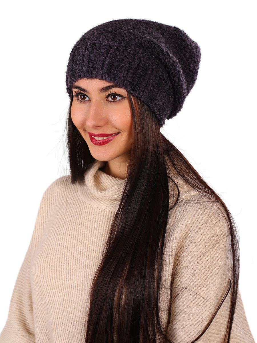 Шапка женская Venera, цвет: темно-фиолетовый. 9806287-6. Размер универсальный9806287-6Вязаная женская шапка Venera выполнена из высококачественной комбинированной пряжи, что позволяет ей великолепно сохранять тепло и обеспечивает высокую эластичность и удобство посадки. Такая шапка-чулок отлично дополнит повседневный или спортивный образ.