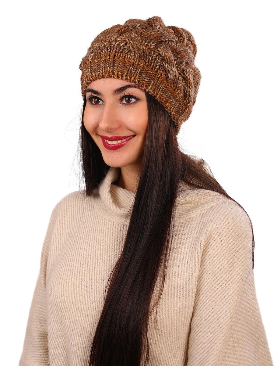 Шапка женская Venera, цвет: светло-коричневый, бежевый. 9806187-8. Размер универсальный9806187-8Вязаная женская шапка Venera выполнена простой вязкой из высококачественной комбинированной пряжи, что позволяет ей великолепно сохранять тепло и обеспечивает высокую эластичность и удобство посадки. Шапка-чулок, с широкой резинкой по краю, отлично дополнит повседневный или спортивный образ.