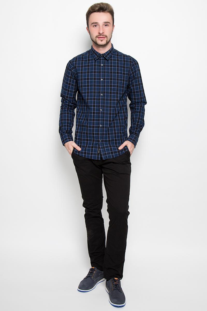 Рубашка мужская Broadway, цвет: темно-синий. 20100277. Размер XL (52)20100277_574Стильная мужская рубашка Broadway, изготовленная из натурального хлопка, необычайно мягкая и приятная на ощупь. Модная рубашка с отложным воротником, длинными рукавами и полукруглым низом застегивается на пластиковые пуговицы. Модель оформлена принтом в крупную клетку и на груди слева дополнена накладным кармашком. Рукава рубашки дополнены манжетами на пуговицах.