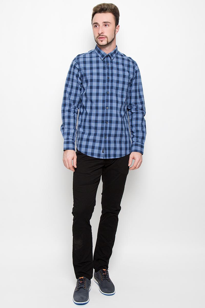 Рубашка мужская Broadway, цвет: синий. 20100277. Размер L (50)20100277_537Стильная мужская рубашка Broadway, изготовленная из натурального хлопка, необычайно мягкая и приятная на ощупь. Модная рубашка с отложным воротником, длинными рукавами и полукруглым низом застегивается на пластиковые пуговицы. Модель оформлена принтом в крупную клетку и на груди слева дополнена накладным кармашком. Рукава рубашки дополнены манжетами на пуговицах.