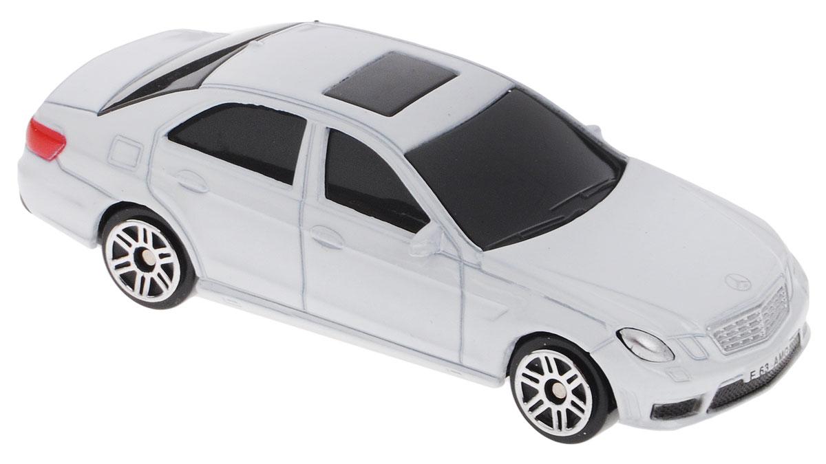 Uni-FortuneToys Модель автомобиля Mercedes-Benz E 63 AMG цвет белый uni fortunetoys модель автомобиля volkswagen touareg