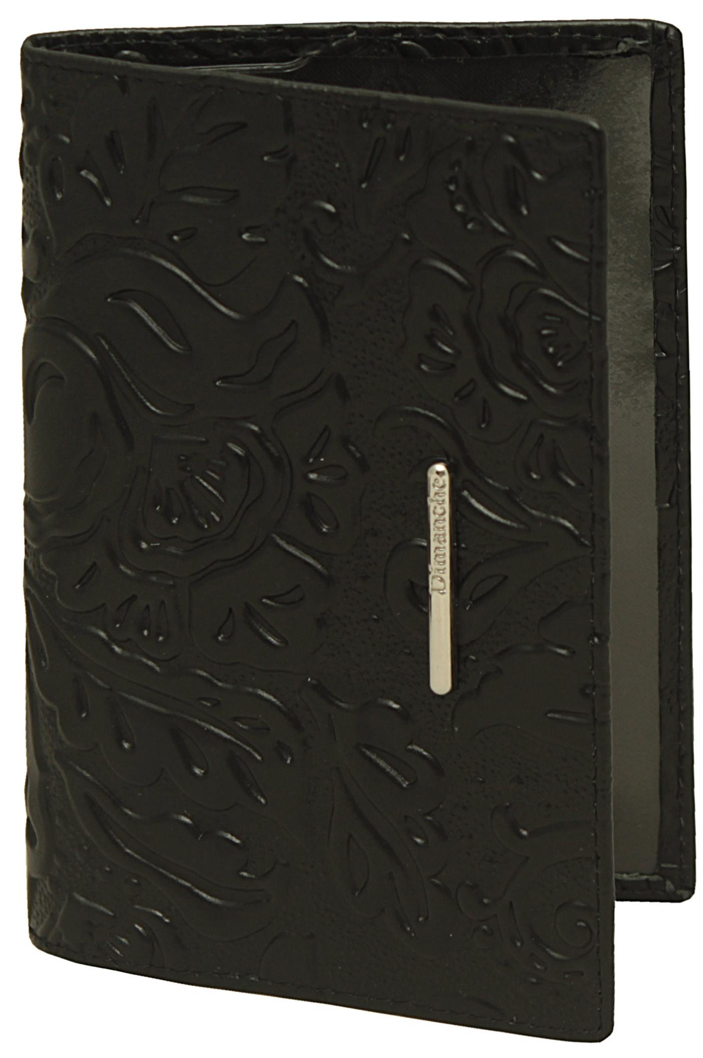 Обложка для паспорта женская Dimanche, цвет: черный. 350350Обложка для паспорта Dimanche, выполненная из натуральной лаковой кожи, оформлена декоративным тиснением и металлической пластинкой сназванием бренда. Внутри расположено два кармана для фиксации документа. Обложка для паспорта сохранит внешний вид вашего документа изащитит от повреждений.