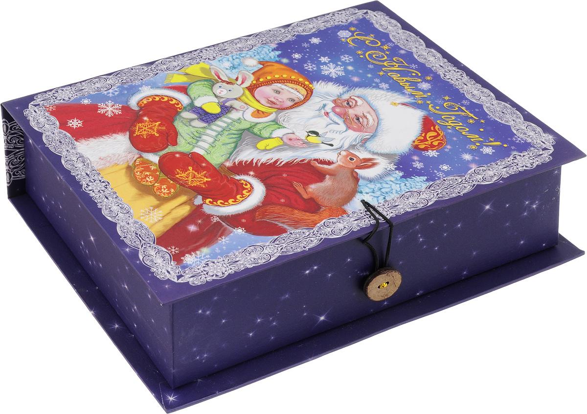 Коробка подарочная Феникс-Презент Дедушка Мороз с девочкой, 20 х 14 х 6 см41775Подарочная коробка Феникс-Презент Дедушка Мороз с девочкой, выполненнаяиз плотного картона,закрывается на пуговицу. Крышка оформлена ярким изображением и надписью СНовым годом!. Подарочная коробка - это наилучшее решение, если вы хотите порадовать вашихблизких и создать праздничное настроение, ведь подарок, преподнесенный воригинальной упаковке, всегда будет самым эффектным и запоминающимся.Окружите близких людей вниманием и заботой, вручив презент в нарядном,праздничном оформлении. Плотность картона: 1100 г/м2.