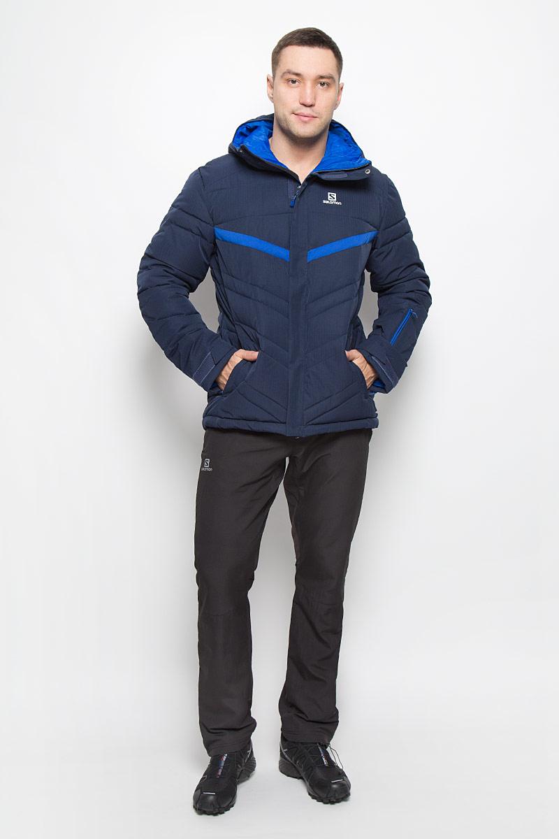 Куртка мужская Salomon Stormpulse, цвет: темно-синий. L38314700. Размер L (52/54)L38314700Мужская куртка Salomon Stormpulse с защитой от непогоды Advanced Skin Dry выполнена из полиэстера на подкладке из нейлона. Используемый в куртке утеплитель Stormloft по упругости и теплоте напоминает натуральный пух, но не теряет своих свойств при намокании, а также отлично подходит людям, которые страдают аллергией. Модель с капюшоном застегивается на молнию и имеет ветрозащитный клапан на липучках и кнопках. Рукава дополнены хлястиками с липучками для регулировки объема. С внутренней стороны изделия имеется противоснежная вставка на резинке с застежками-кнопками. Объем низу регулируется при помощи шнурка-кулиски со стопперам. Спереди расположены два прорезных кармана на молнии, с внутренней стороны находится прорезной карман с застежкой-молнией, рукав куртки также дополнен втачным карманом на застежке-молнии.