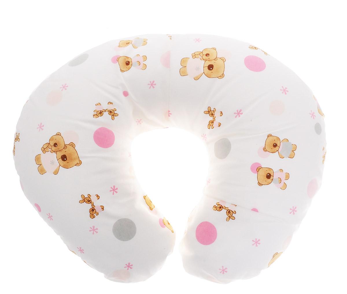 Plantex Подушка для кормящих и беременных мам Comfy Small Мишка и Зайцы1030_мишка и зыйцы белый розовыйМногофункциональная подушка Plantex Comfy Small. Мишка и Зайцы идеальна для удобства ребенка и его родителей.Зачастую именно эта модель называется подушкой для беременных. Ведь она создана именно для будущих мам с учетом всех анатомических особенностей в этот период. На любом сроке беременности она бережно поддержит растущий животик и поможет сохранить комфортное и безопасное положение во время сна. Подушка идеально подходит для кормления уже появившегося малыша. Позже многофункциональная подушка поможет ему сохранить равновесие при первых попытках сесть.Чехол подушки выполнен из 100% хлопка и снабжен застежкой-молнией, что позволяет без труда снять и постирать его. Наполнителем подушки служат полистироловые шарики - экологичные, не деформируются сами и хорошо сохраняют форму подушки.Подушка для кормящих и беременных мам Plantex Comfy Small.Мишка и Зайцы - это удобная и практичная вещь, которая прослужит вам долгое время.Подушка поставляется в сумке-чехле.При использовании рекомендуется следующий уход: наволочка - машинная стирка и глажение, подушка с наполнителем - ручная стирка.Список вещей в роддом. Статья OZON Гид