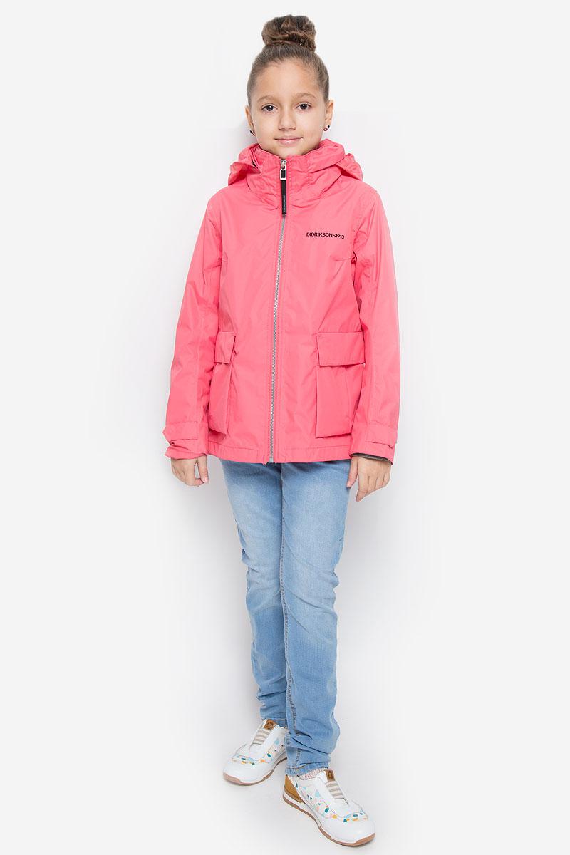 Куртка для девочки Didriksons1913 Holly, цвет: лососевый. 500720_181. Размер 170500720_181Оригинальная куртка для девочки Didriksons1913 Holly защитит вашу дочурку от ветра и дождя, а также станет ярким дополнением к детскому гардеробу. Куртка изготовлена из полиэстера. На подкладке рукавов используется полиамид. Куртка со съемным капюшоном и воротником-стойкой застегивается на пластиковую застежку-молнию и имеет внутреннюю ветрозащитную планку. Капюшон по краю дополнен эластичными вставками. Он пристегивается к куртке при помощи кнопок. На рукавах предусмотрены небольшие хлястики на кнопках. Спереди имеются два накладных кармана с клапанамина кнопках. С внутренней стороны изделия расположен большой накладной карман и один прорезной карман на молнии. Модель украшена вышитым названием бренда. Комфортная и удобная куртка идеально подойдет для прогулок и игр на свежем воздухе. В ней ваша принцесса всегда будет в центре внимания! Модель рассчитана на температуру от +12 до +17.