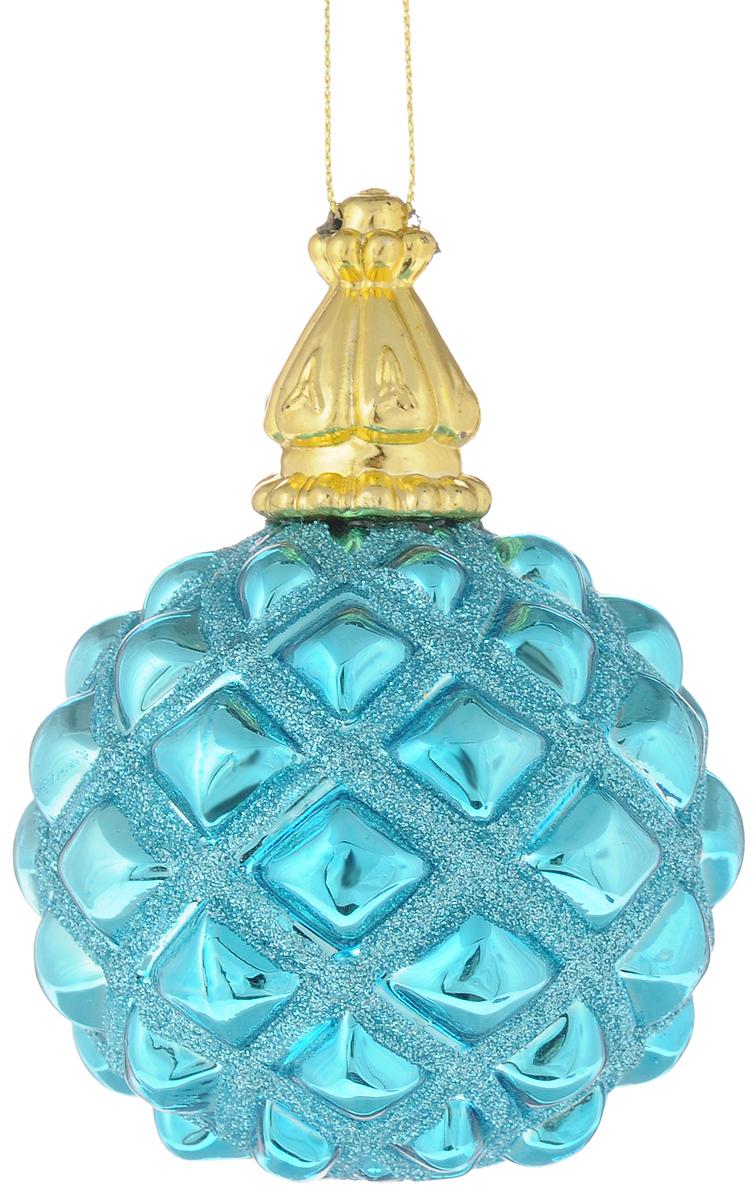 Украшение новогоднее подвесное Magic Time Королевский лазурный, диаметр 8 см42348Новогоднее подвесное украшение Magic Time Королевский лазурный выполненоиз высококачественного стекла в форме шара и оформлено изящным рельефнымрисунком с блестками. С помощью специальной петельки украшение можноповесить в любом понравившемся вам месте. Но удачнее всего такая игрушкабудет смотреться на праздничной елке.Елочная игрушка - символ Нового года и Рождества. Она несет в себе волшебствои красоту праздника. Создайте в своем доме атмосферу веселья и радости,украшая новогоднюю елку нарядными игрушками, которые будут из года в годнакапливать теплоту воспоминаний.