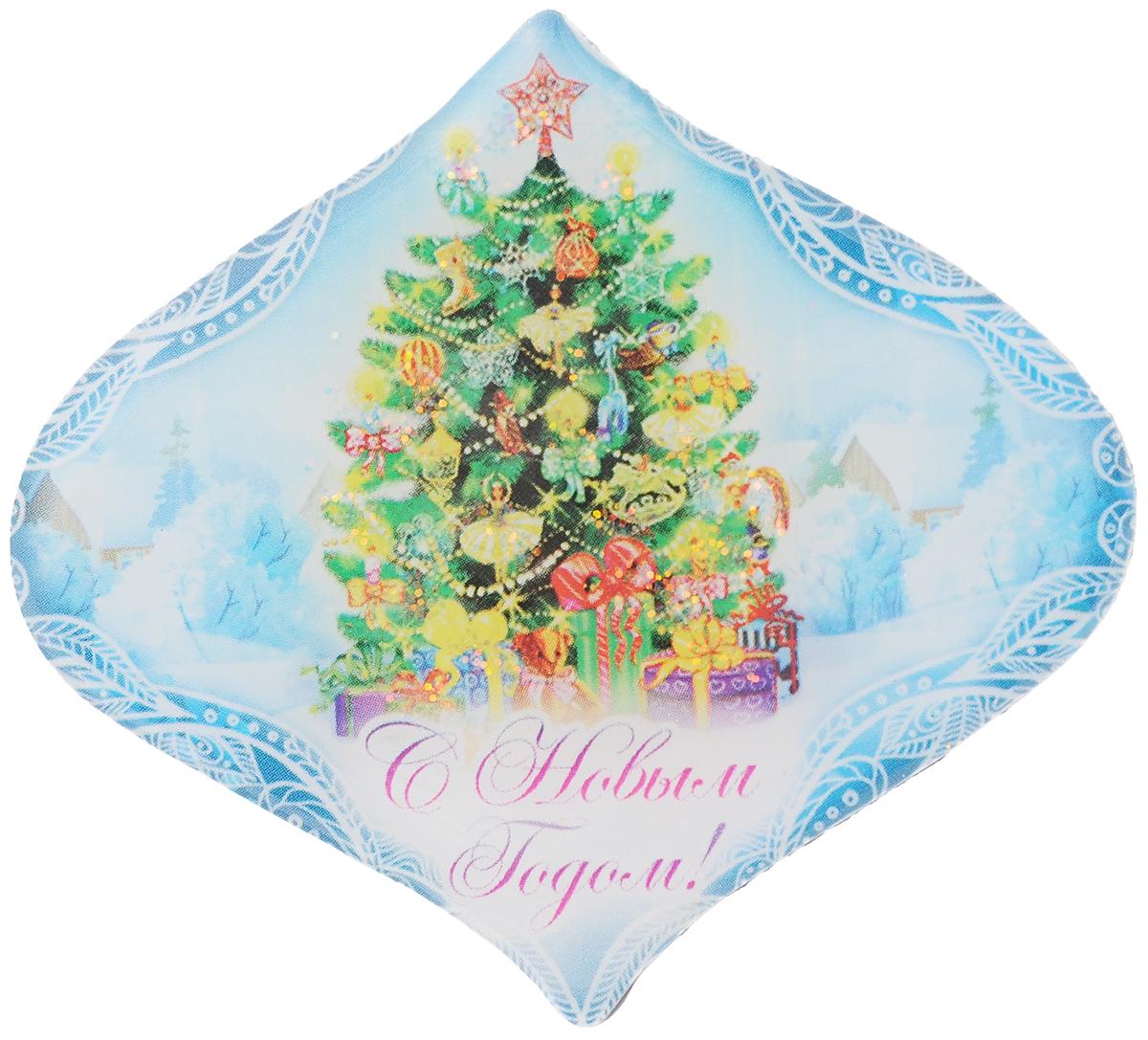 Магнит декоративный Magic Time Пушистая елочка, 6,7 x 6 см42294Магнит Magic Time Пушистая елочка, выполненный из агломерированного феррита, прекрасно подойдет в качестве сувенира к Новому году или станет приятным презентом в обычный день. Магнит - одно из самых простых, недорогих и при этом оригинальных украшений интерьера. Он поможет вам украсить не только холодильник, но и любую другую магнитную поверхность.Размер: 6,7 х 6 см.Материал: агломерированный феррит.