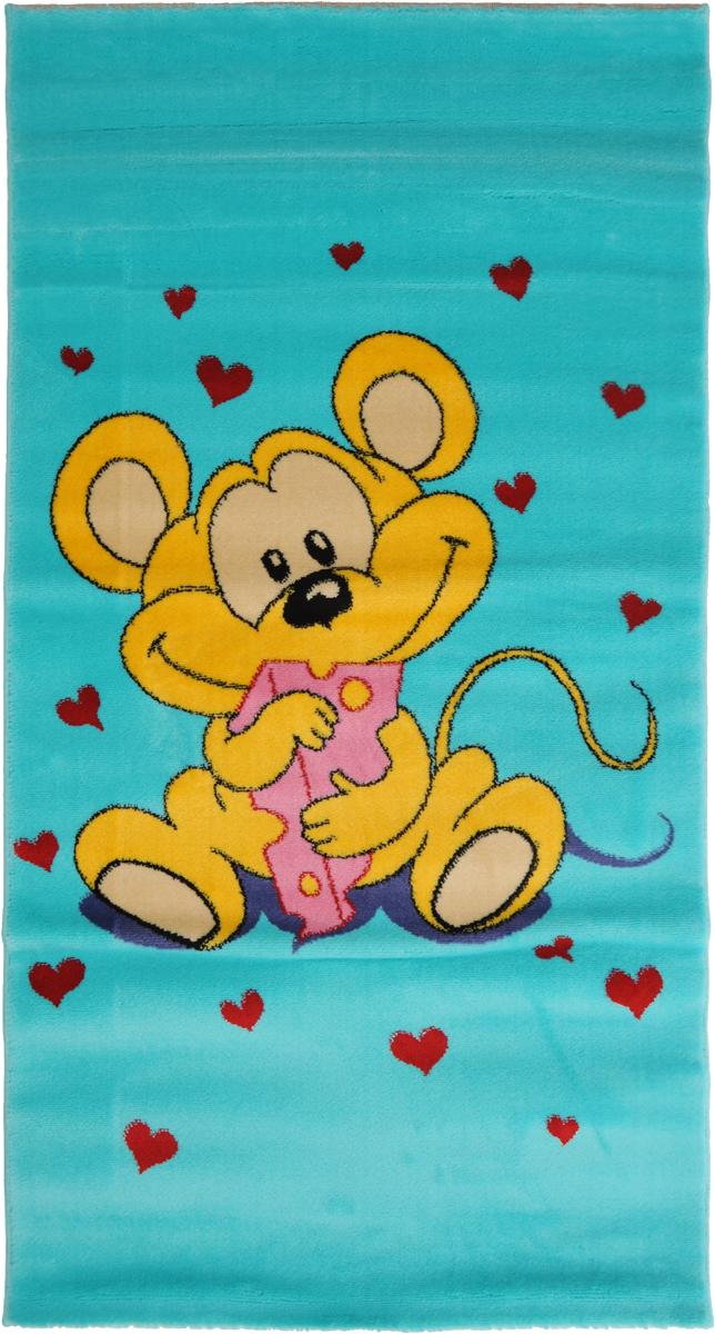 Ковер детский Kamalak Tekstil Мышка, прямоугольный, 80 x 150 смУКД-2006Детский ковер Kamalak Tekstil Мышка изготовлен из высококачественногополипропилена. Полипропилен износостоек, нетоксичен, не впитывает влагу, не провоцирует аллергию. Структураволокна в полипропиленовых коврах гладкая, поэтому грязь не будет въедаться и скапливатьсяна ворсе. Практичный и износоустойчивый ворс не истирается и не накапливает статическоеэлектричество.Ковер обладает хорошими показателями теплостойкости и шумоизоляции. Оригинальный рисунокпозволит гармонично оформить интерьер детской комнаты.За счет невысокого ворса ковер легко чистить. При надлежащем уходе синтетический коверпрослужит долго, не утратив ни яркости узора, ни блеска ворса, ни упругости.Самый простой способ избавить изделие от грязи - пропылесосить его с обеих сторон (лицевой иизнаночной). Влажная уборка с применением шампуней и моющих средств не противопоказана. Хранить рекомендуется в свернутом рулоном виде.