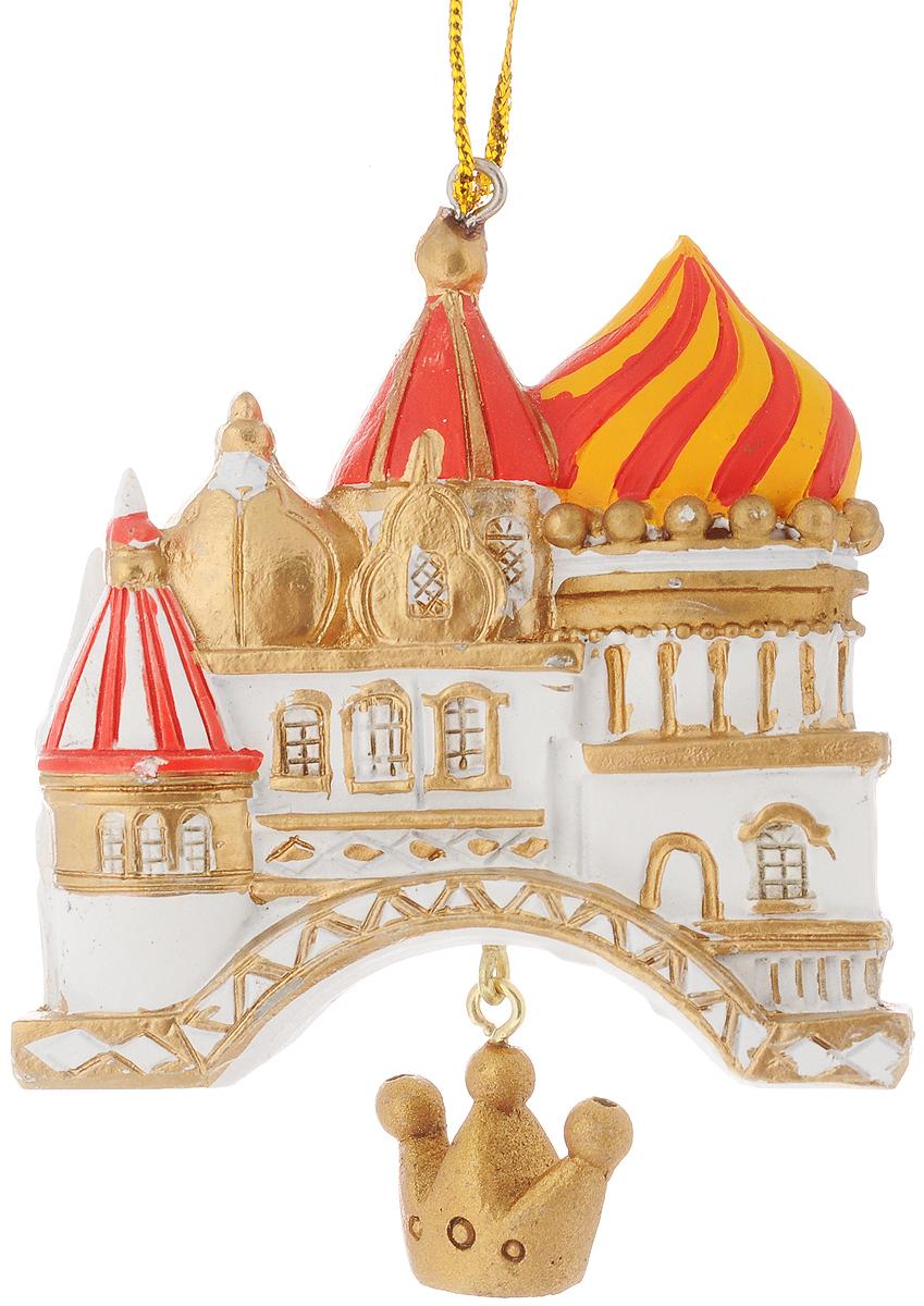 """Новогоднее украшение Феникс-Презент """"Собор""""  отлично подойдет для декорации вашего дома и  новогодней ели.  Изделие выполнено из полирезины и оснащено  специальной петелькой для подвешивания. Елочная игрушка - символ Нового года. Она несет в  себе волшебство и красоту праздника. Создайте в  своем доме атмосферу веселья и радости, украшая  всей семьей новогоднюю елку нарядными  игрушками, которые будут из года в год накапливать  теплоту воспоминаний. Размер украшения: 7 х 2,5 х 8,5 см."""