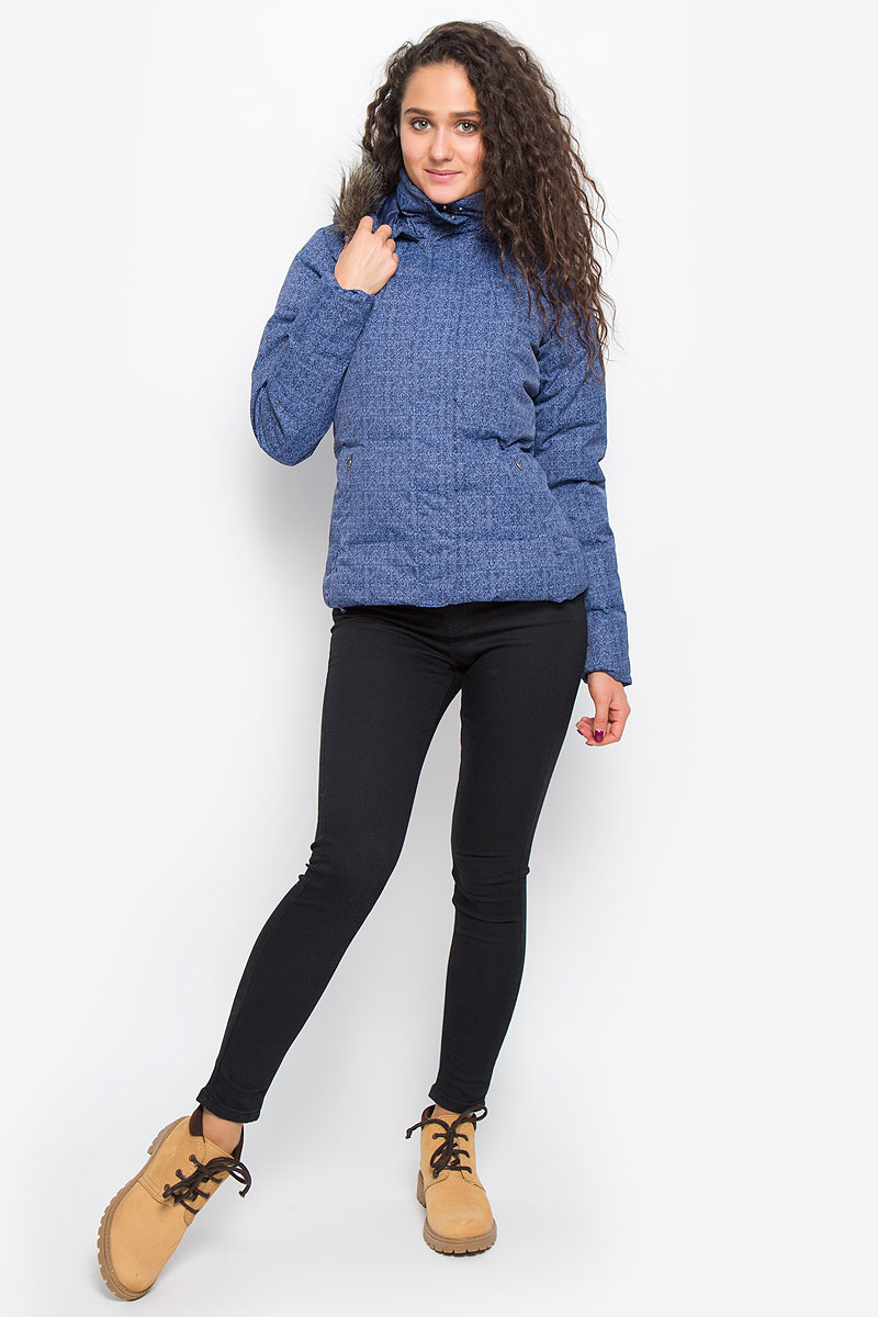 Пуховик женский Columbia Varaluck III Down Jacket, цвет: синий. 1465661-508. Размер XL (50)