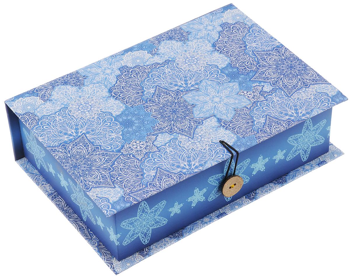 Коробка подарочная Феникс-презент Морозные узоры, 20 х 14 х 6 см41779Подарочная коробка Magic Time Морозные узоры-m изготовлена из прочного мелованного, ламинированного, негофрированного, картона, с полноцветным декоративным рисунком на внутренней и наружной части. Упаковка создает первое впечатление о подарке. Самая обычная и недорогая вещь в оригинальной и красивой упаковке доставит радость тому, кому она преподносится.Рисунок выполнен в новогодней атмосфере, в виде снежинок.Размер: 20 х 14 х 6 см.