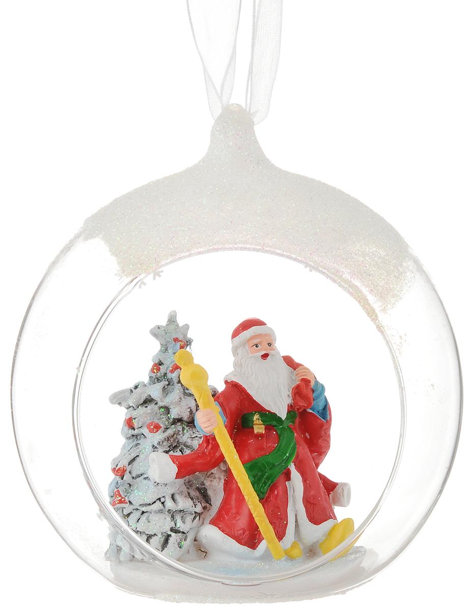 Украшение новогоднее подвесное Феникс-Презент Дед мороз в красном кафтане, с фигуркой внутри, 11 х 12 х 9,5 см41739Новогоднее подвесное украшение Феникс-Презент Дед мороз в красном кафтане выполнено из стекла и полирезины в виде полусферы с фигуркой внутри и украшено блестками. С помощью специальной петельки украшение можно повесить в любом понравившемся вам месте. Но, конечно, удачнее всего оно будет смотреться на праздничной елке.Елочная игрушка - символ Нового года. Она несет в себе волшебство и красоту праздника. Создайте в своем доме атмосферу веселья и радости, украшая новогоднюю елку нарядными игрушками, которые будут из года в год накапливать теплоту воспоминаний.Состав: полирезина, стекло.Размер: 11 х 12 х 9,5 см.
